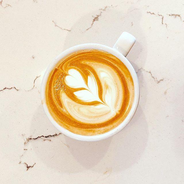 Merry christmas🎄😍🤗 #cafe #sandiegoeats #itscoldoutside #drinklatte #coffee #sandiegocoffeeplace #convoycafe #barista #lattearticious #latteart #coffeeholic #christmas #merrychristmas #newyear #cafemoto