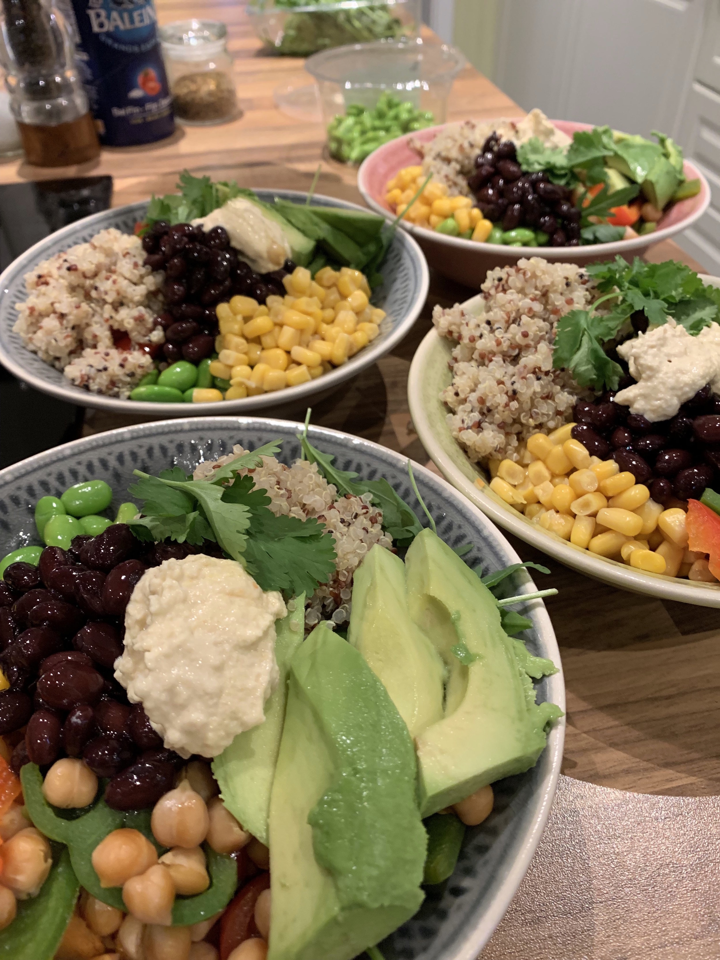 QUINOA BUDDHA BOWL - BASICALLY YOU THROW IN WHATEVER YOU CAN FIND