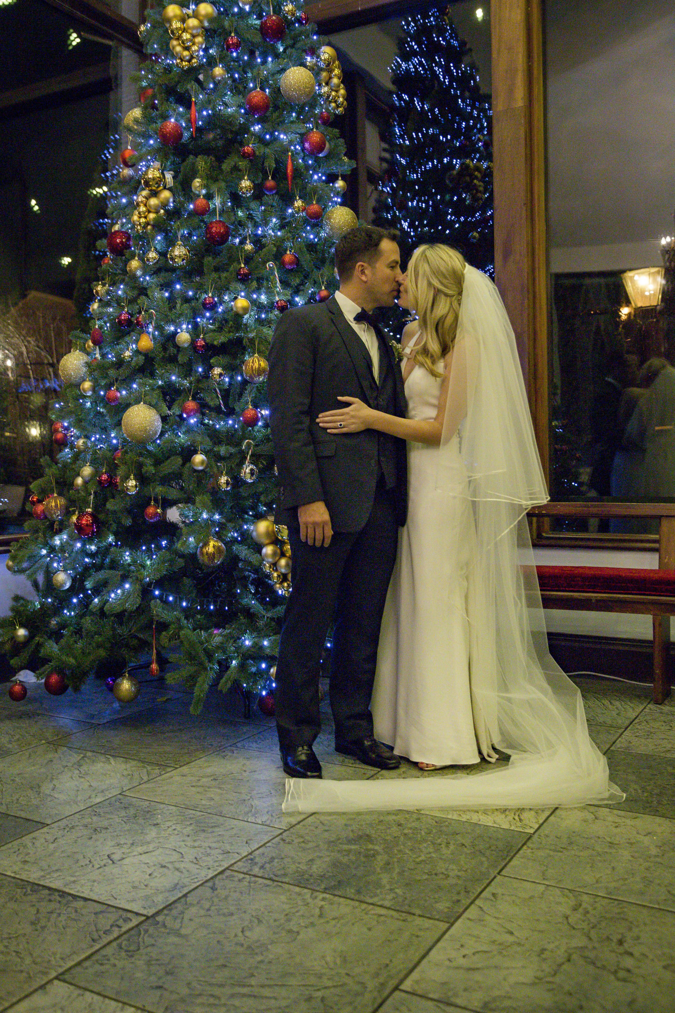 muckross_park_hotel_grougane_barra_wedding_photographer_goldenmoments_068.jpg