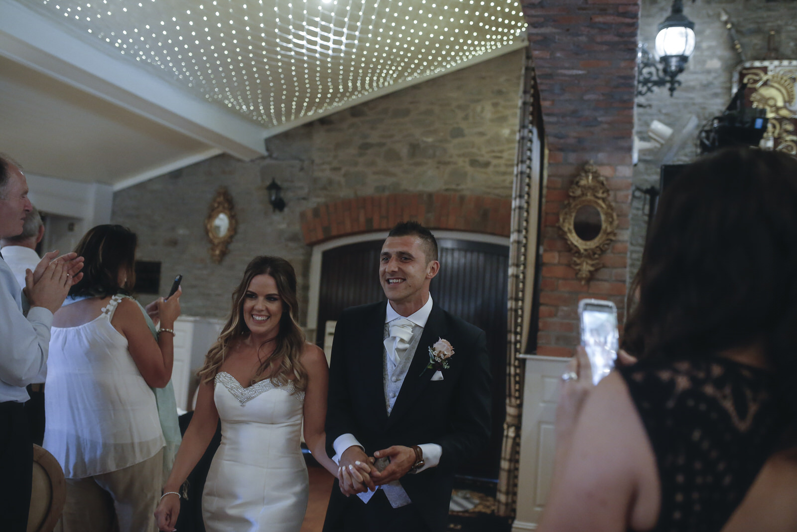 darver_castle_wedding_photographer_goldenmonentsweddingphotography_a274.jpg