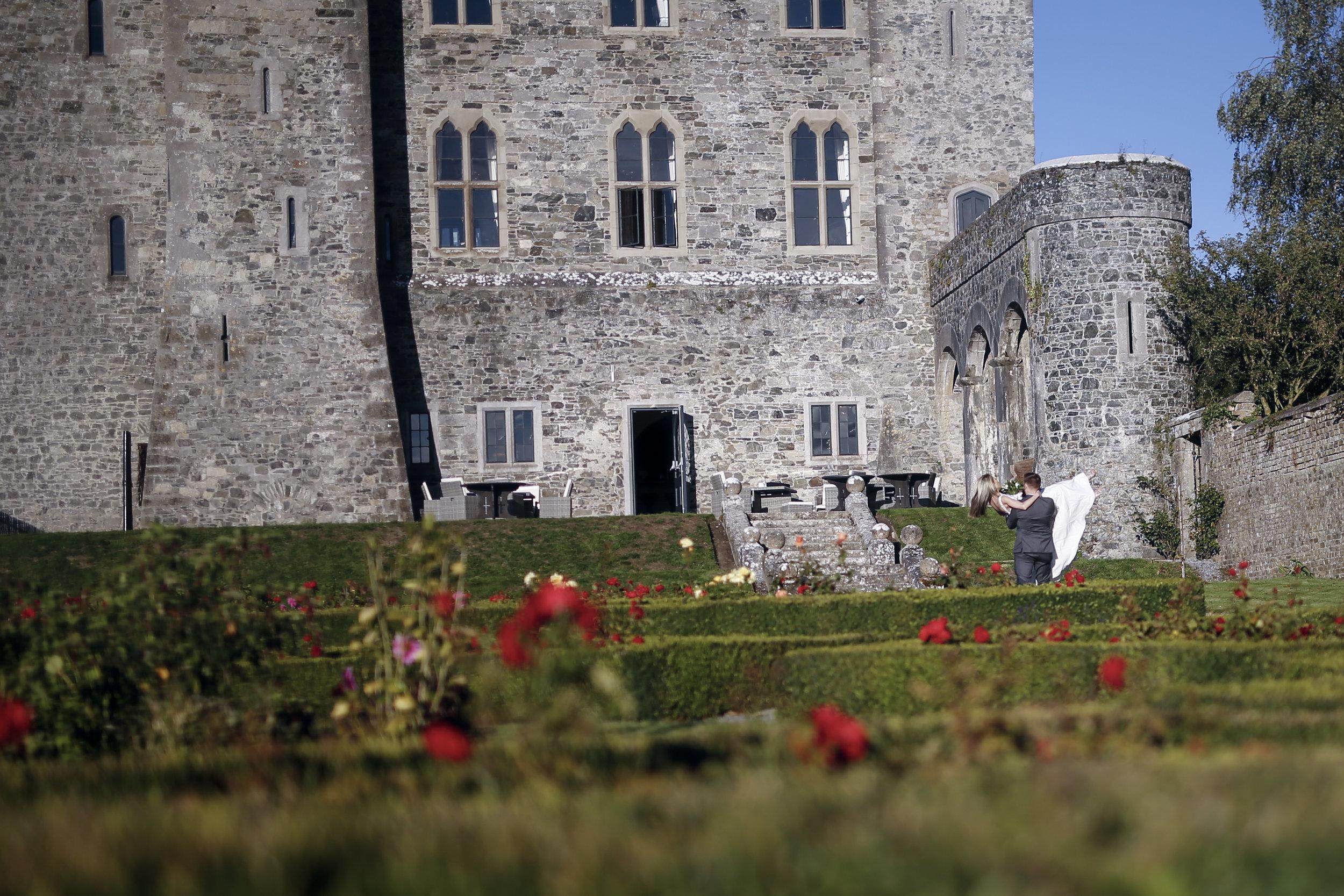 kilkea_castle_wedding_photographer_goldenmoments_054.jpg