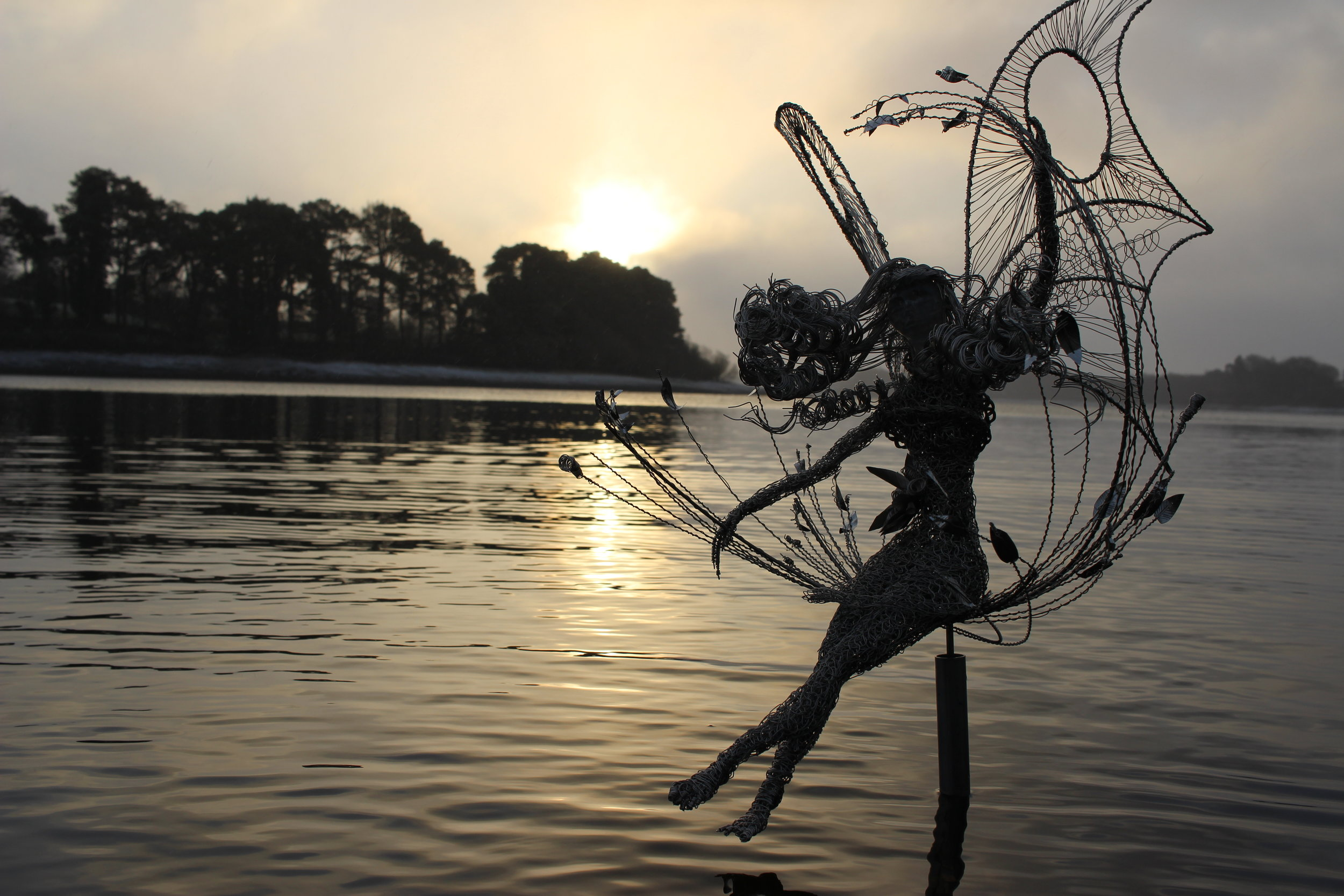 HR fairy spinning on the lake-1.JPG