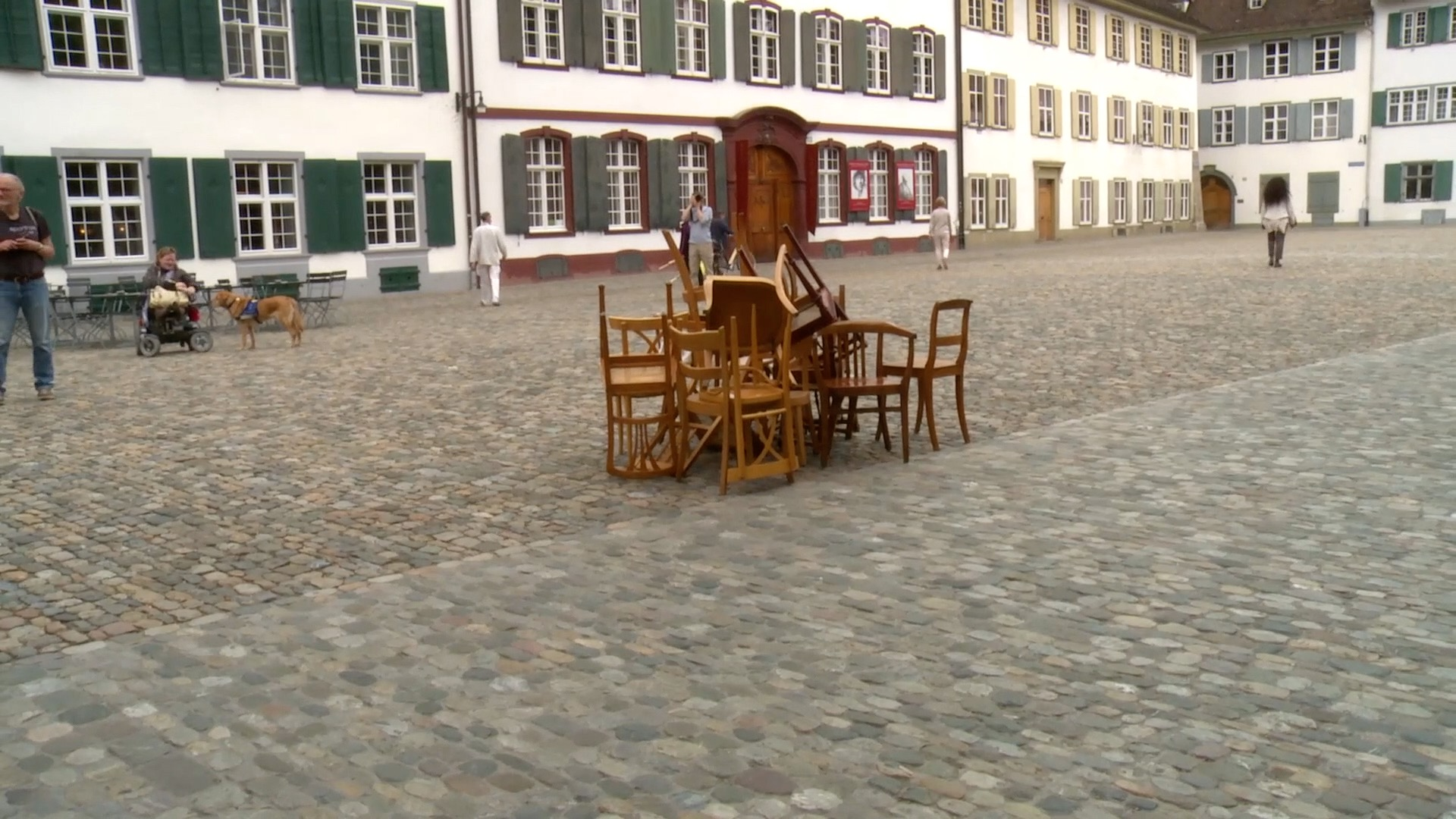 Final Construction of the chairs at the Münsterplatz
