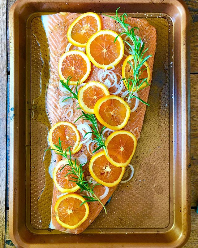 Slow-roasted this guy for Father's Day (265F for about 25 minutes). Super easy, incredibly moist (sorry), so dang good. #thenewhealthy #happyfathersday #fathersday2019 #salmon #sheetpansuppers