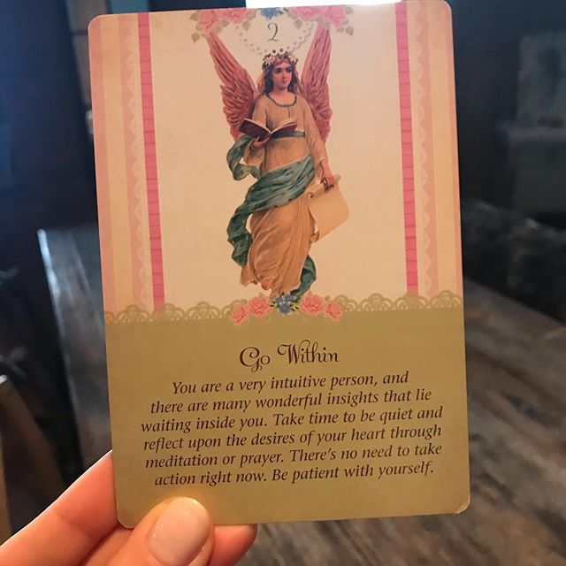 013/100 ✨ Today is a big day. I'm interviewing with a company that FEELS so right for me.  I woke up in #WONDERLAND today thanks to @heyamberrae @farhadini and felt drawn to pull a card from one of the many beautiful decks around the apt. 💗 ⚡️ And no surprise here, but of all the cards, I pull one on #intuition!!! Being extra deliberate today about taking the time to get quiet, to journal, and to meditate. It feels so nice to start my day this way. What are your favorite #carddecks?? #100daysofintuitionbykaty #the100dayproject