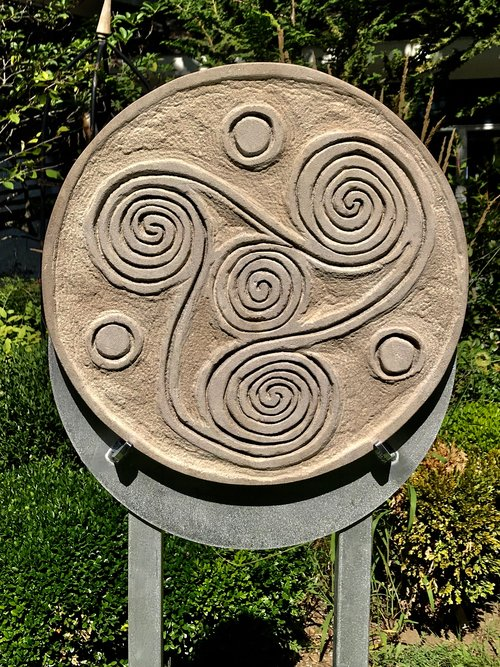 "LIMESTONE MEDALLIONS SERIES OF TWELVE  MONTHS OF THE YEAR- TRISKELLIANA- NO 3 Limestone 18"" aluminium base 5'"