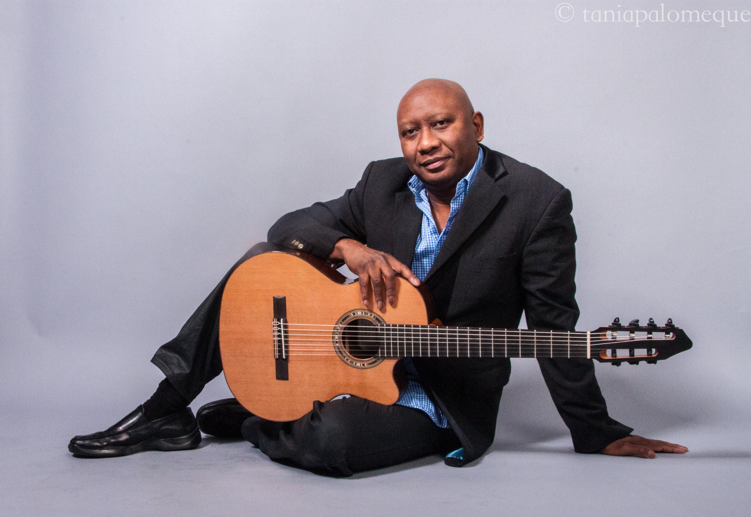 Ron Jackson Acoustic Guitar 3.jpg