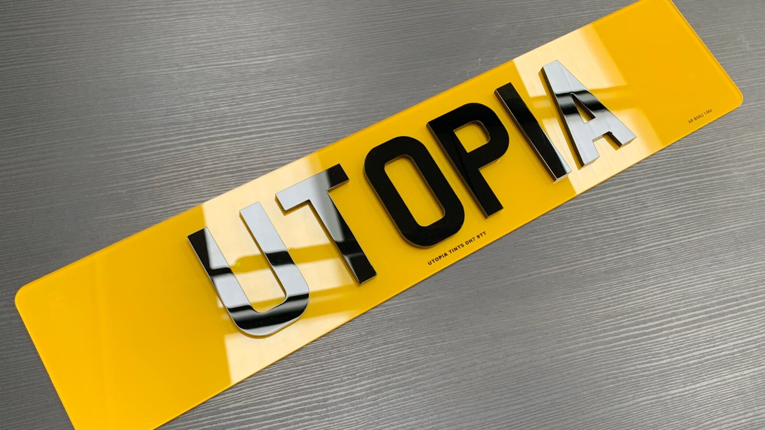 1 X REAR CAR REGISTRATION NUMBER PLATE 3D FONT BLACK BORDER NO DOCUMENTS