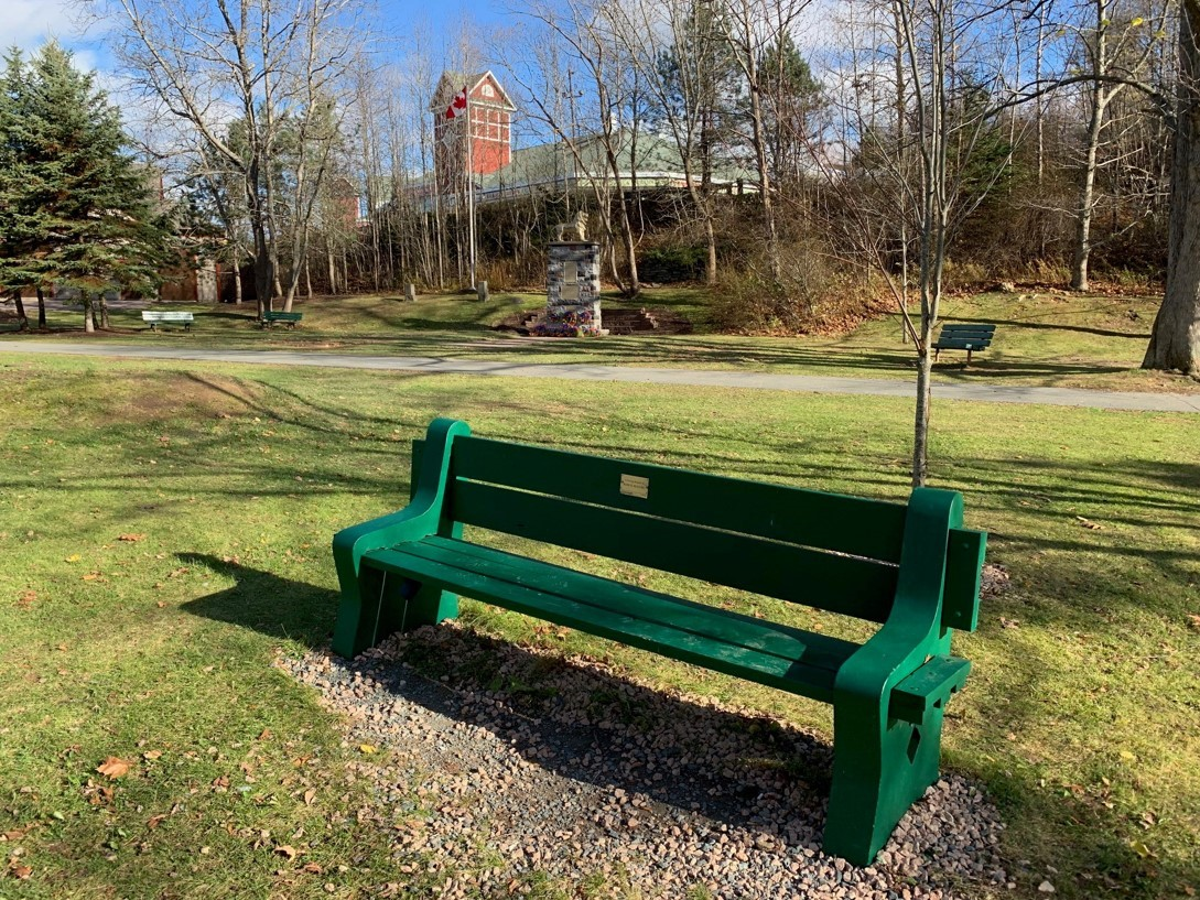In Memoriam Beaulieu New Bench.jpg