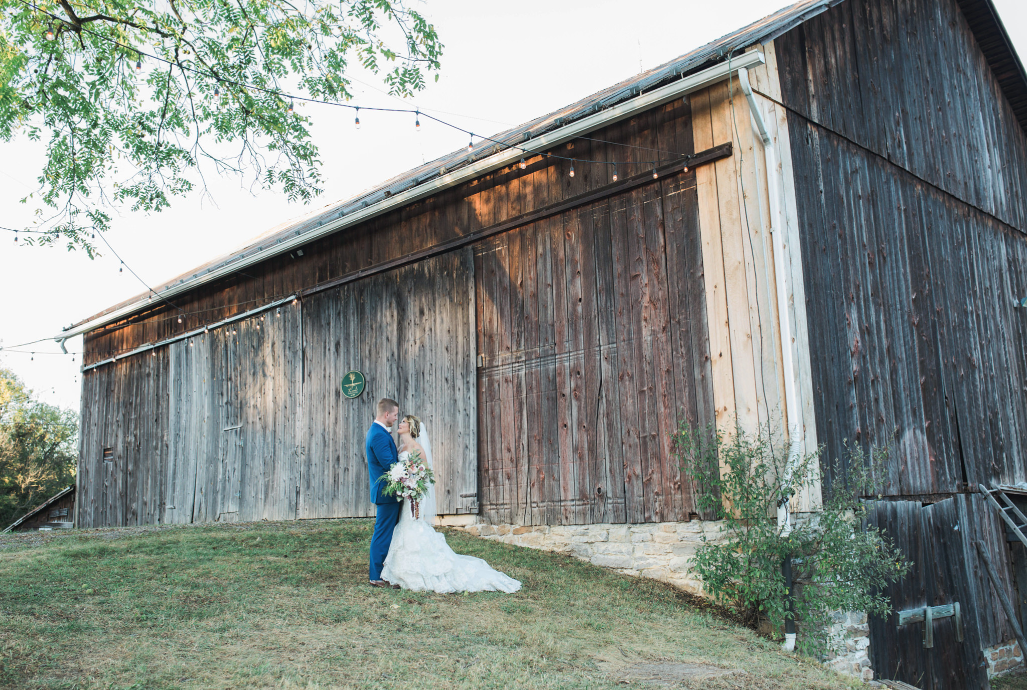 State College Bellefonte Pennsylvania wedding photographer cotton china blue blush barn (32).jpg
