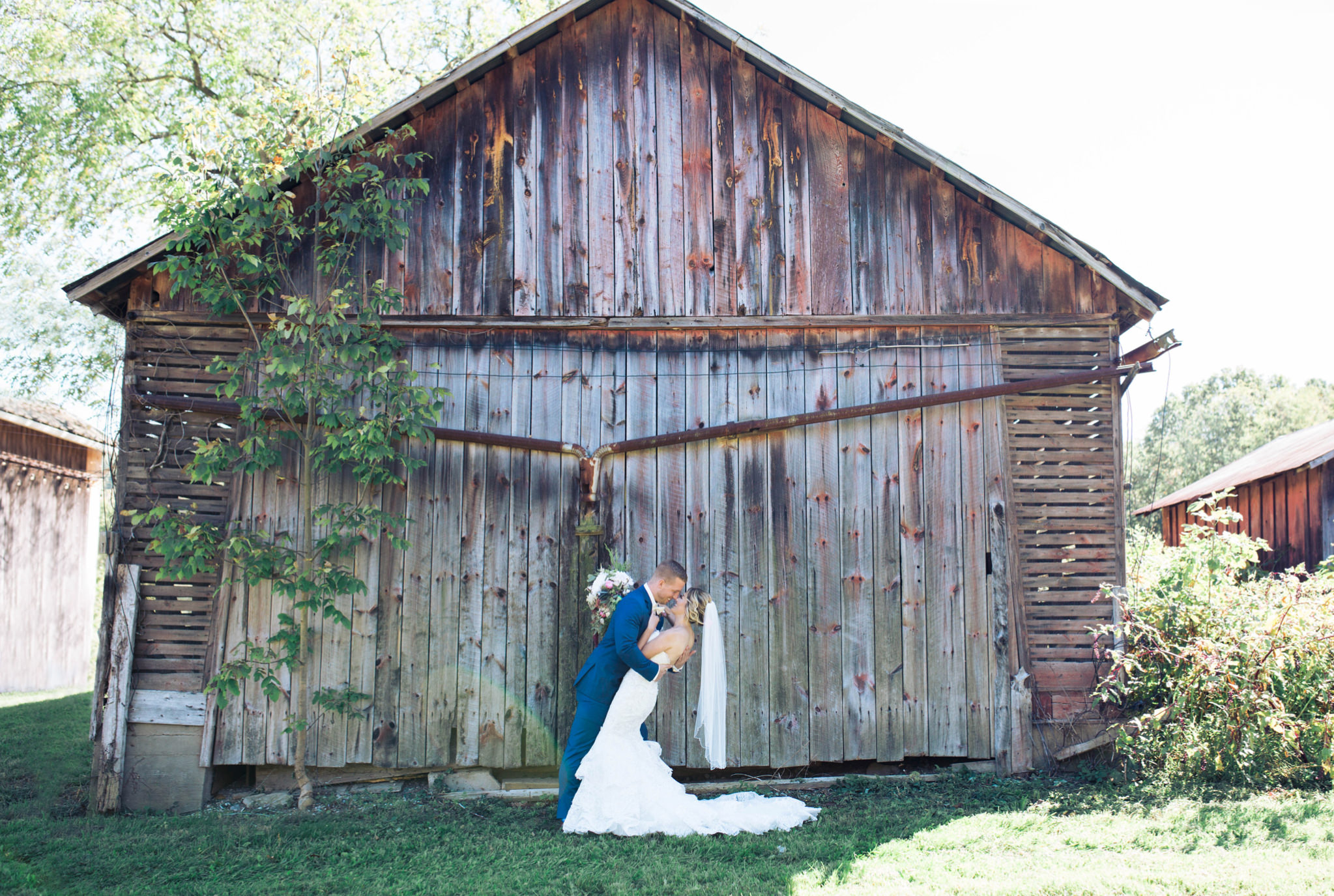 State College Bellefonte Pennsylvania wedding photographer cotton china blue blush barn (35).jpg