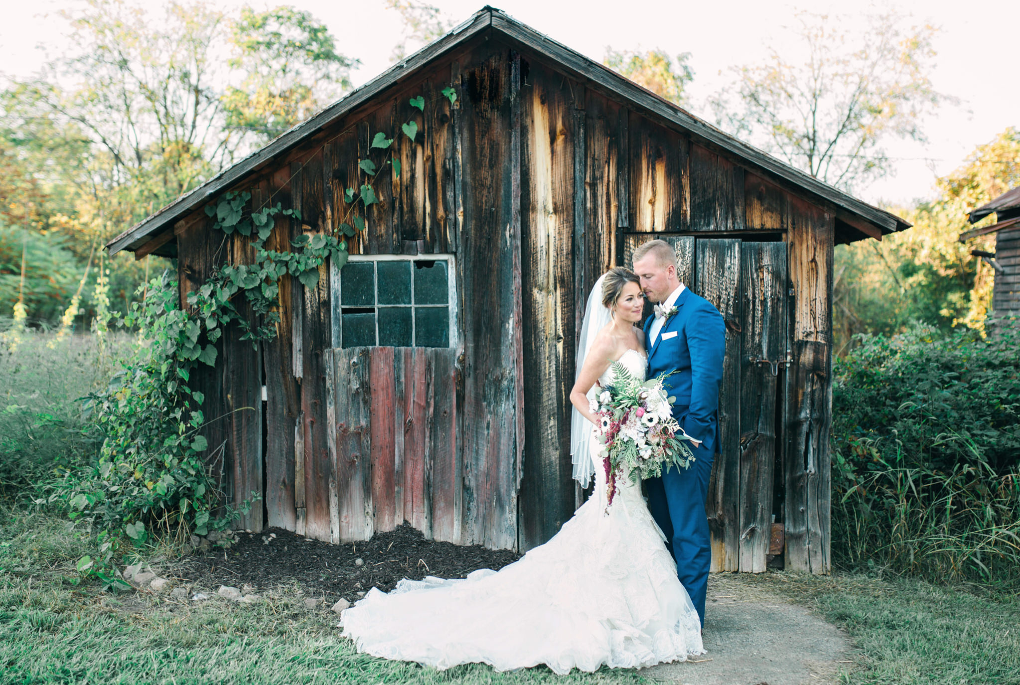 State College Bellefonte Pennsylvania wedding photographer cotton china blue blush barn (37).jpg