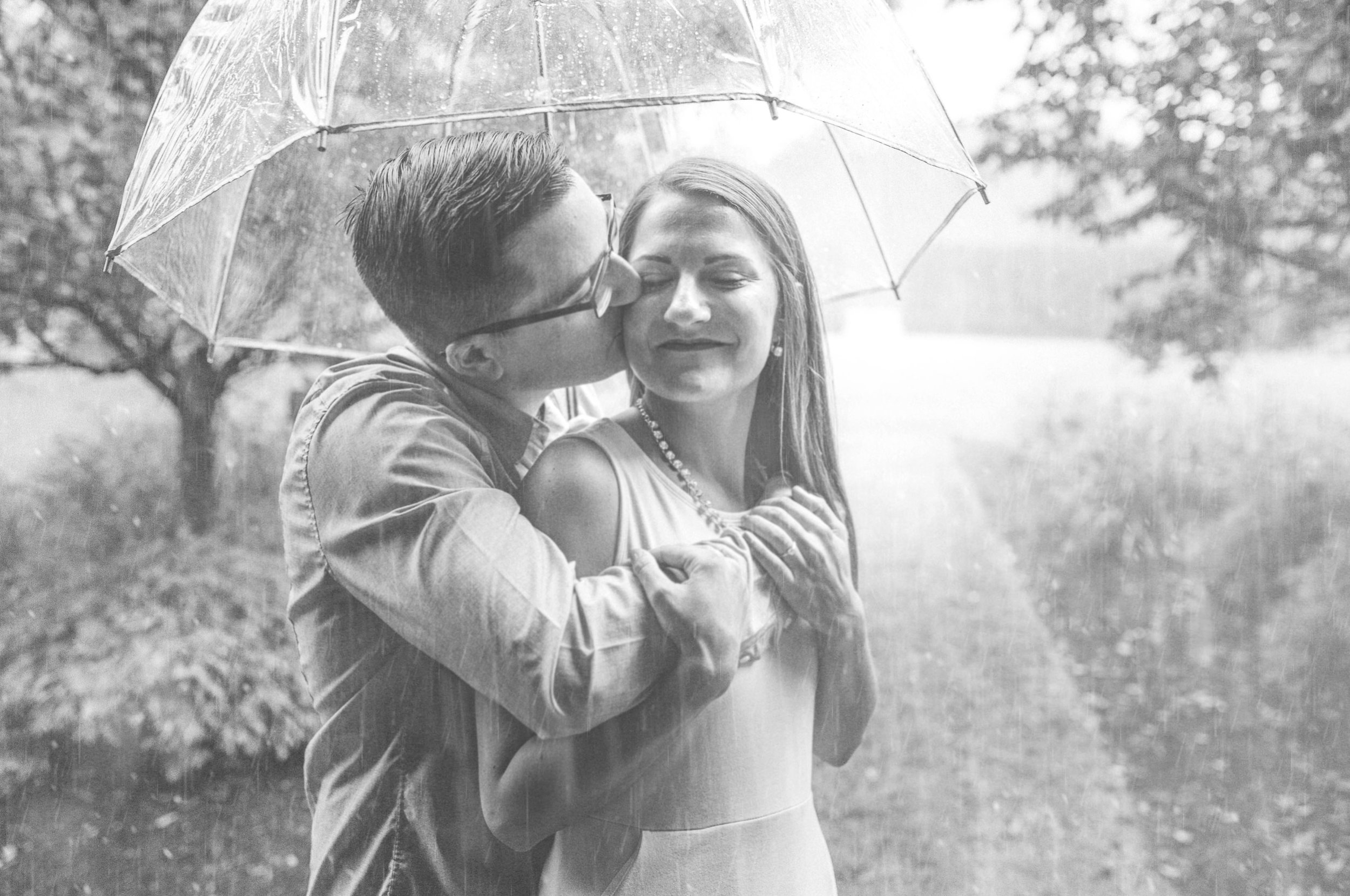 Johnstown Pittsburgh PA engagement session romantic rain couple portraits (14).jpg