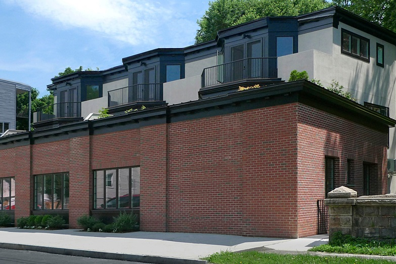 SOLD — Townhouses On Hudson   Hastings on Hudson (NY Metro)  The townhouses at 400 Warburton Avenue were Developed and completed in 2015. All four units were pre-sold and investors were out of the investment with a 40% return in 18 months.