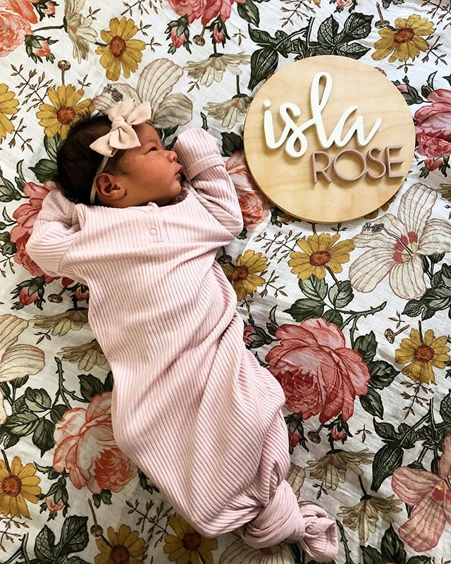 Isla Rose Santos. Born on 9/7/19, 7lb 3oz, 19 inches. Welcome to earth baby mama. Thanks @nologo__ 💖