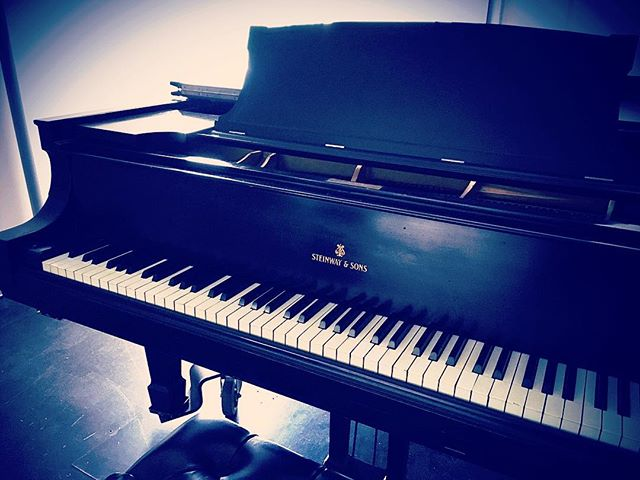 Been hanging out with this old friend. I've missed him very much. He is quite moody and always dramatic, suited to Beethoven, Chopin, Rachmaninov, and other such tempests. When I play heavy-footed he chimes, chiding. I think he is lonely. #musicians #musiciansofinstagram #piano #pianists #pianistsofinstagram #musician #steinway #classicalmusic