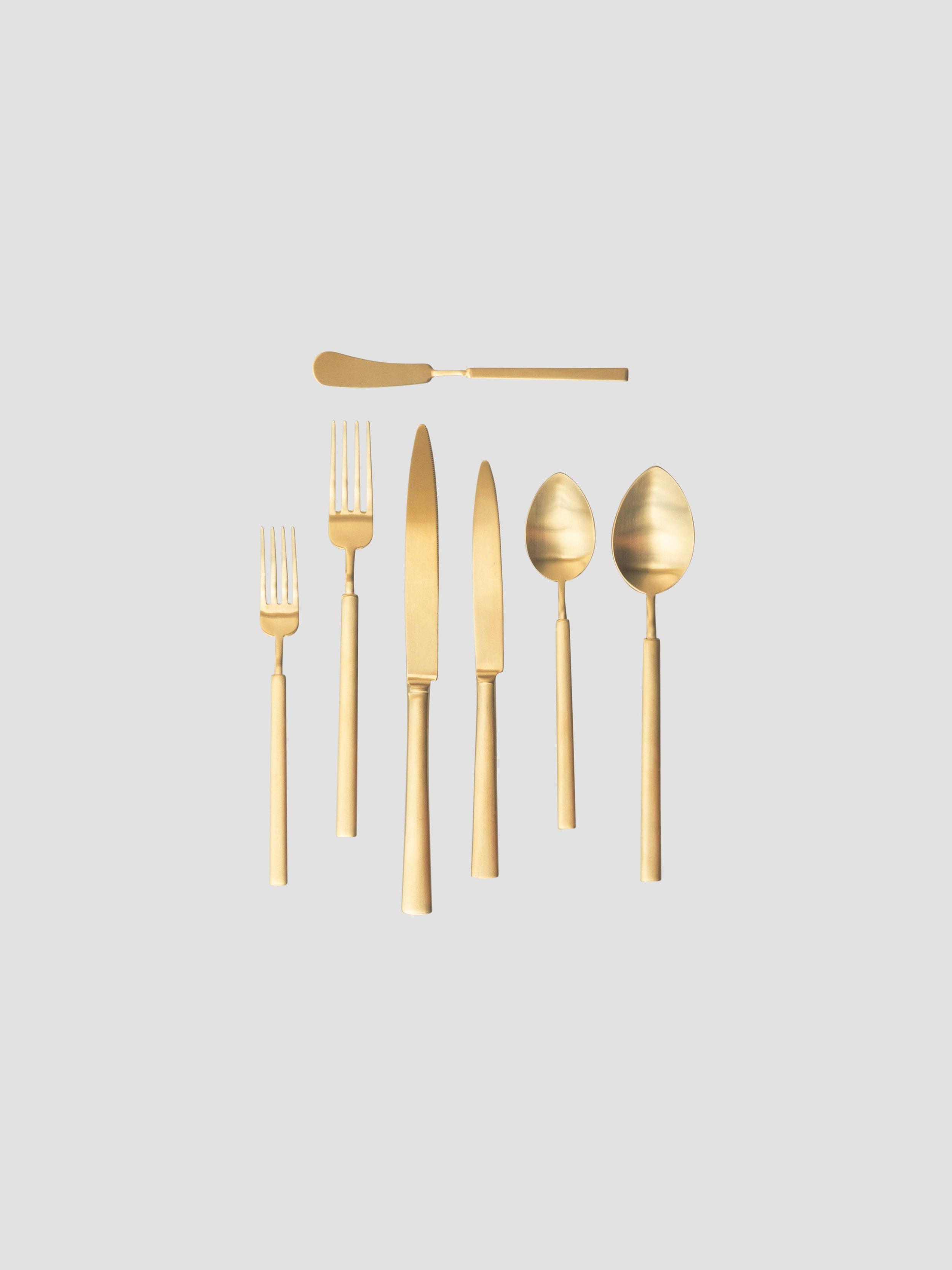 Butter Knife    Salad/Dessert Fork    Dinner Fork    Dinner Knife    Salad/Dessert Knife    Teaspoon    Dinner Spoon