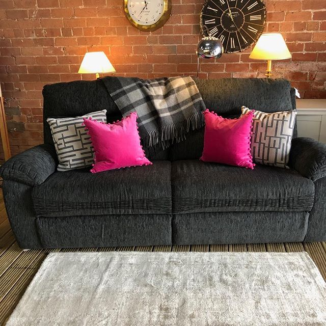 ⚡️CLASSIC BLACK SOFA WITH PATTERN⚡️ 🙌🏻HARVEYS SUPER COSY AND SOFT🙌🏻 🌟🌟A STEAL AT £399 RRP £850🌟 ⏰🚀ORDER TODAY, DELIVERED TODAY⏰ 🎉SHOP OUR FACEBOOK / INSTAGRAM 🎉#yorkshire #cosychair #loveleeds #sofashop