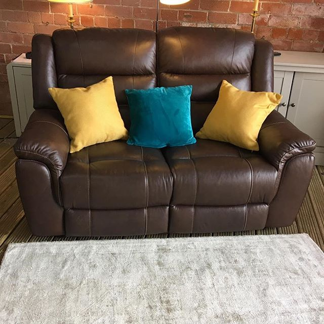 ⚡️HARVEYS PURE CHOCOLATE BROWN LEATHER⚡️ 🙌🏻AVAILABLE IN A SET WITH A THREE SEATER🙌🏻 🌟🌟OUR PRICE £699 RRP £1250🌟 ⏰🚀ORDER TODAY, DELIVERED TODAY⏰🚀 🎉SHOP OUR FACEBOOK / INSTAGRAM 🎉#yorkshire #cosychair #loveleeds #sofashop