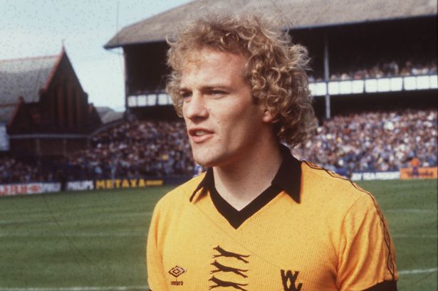 Andy Gray of Wolves at Goodison Park