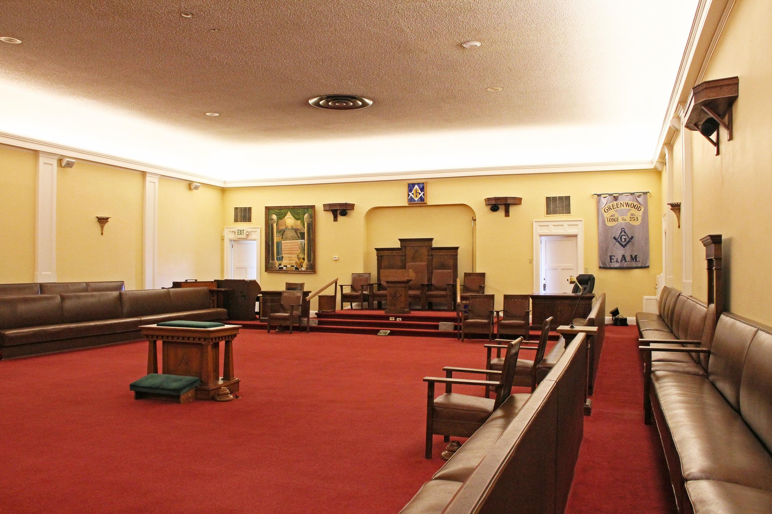 6525_upper level hall.jpg