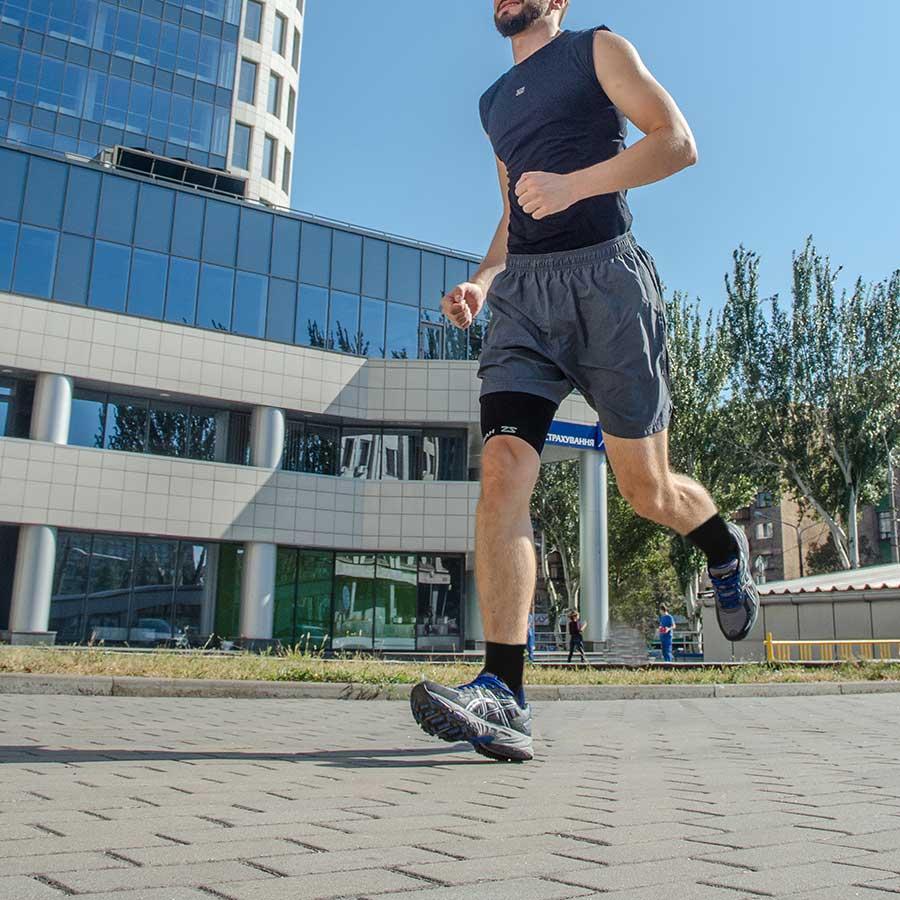 Zensah-3d-dotted-traction-socks.jpg
