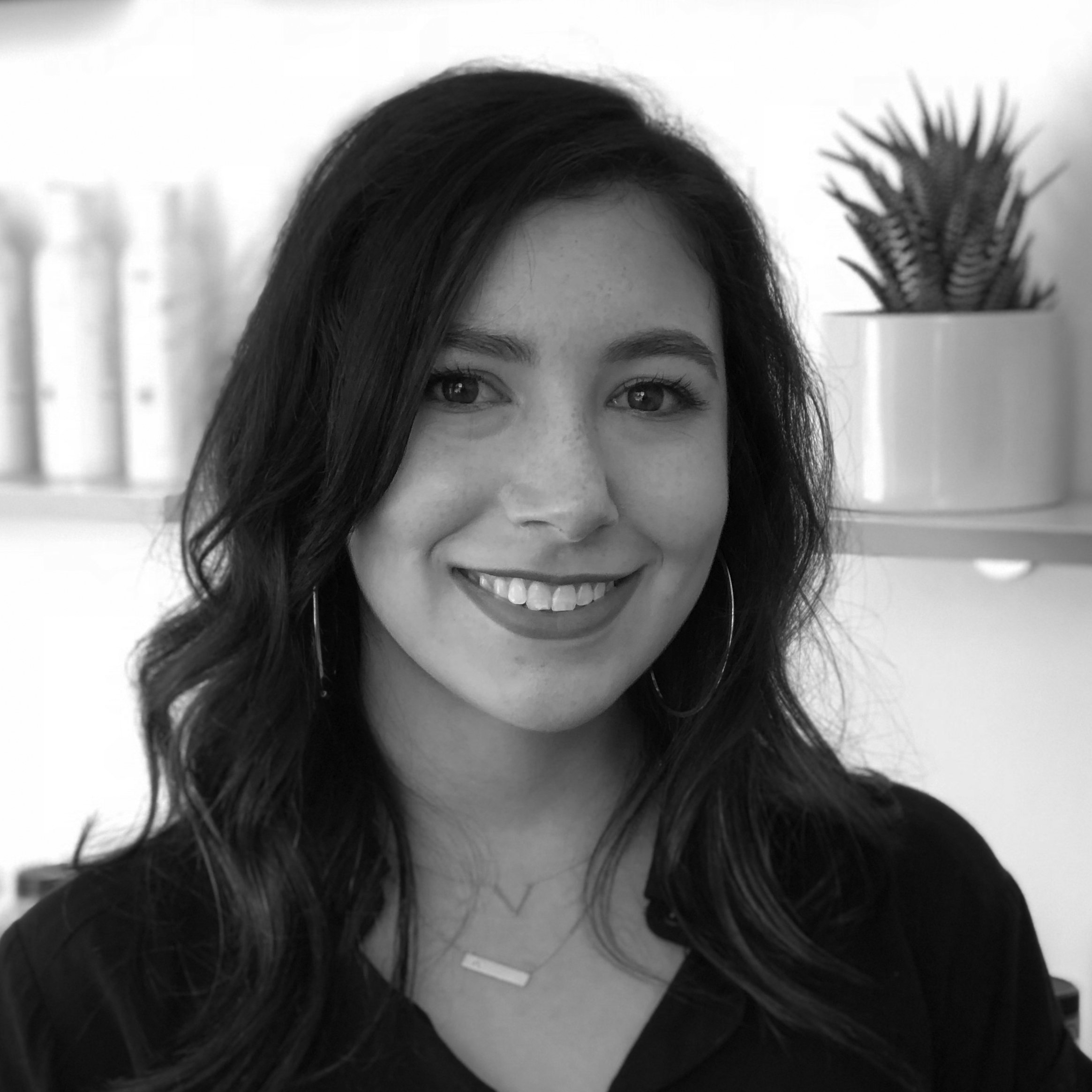 Alecz - SugaristAlecz is a graduate of the Gary Manuel Aveda Institute located in Seattle. With two years of sugaring and skin care experience under her belt, she moved to California in 2018 and found a home at sugaring LA. Her passion for esthetics combined with her extensive background in customer service makes each visit a customized experience. Her goal is to create a safe and tranquil space for people of all backgrounds and identities, a space that is completely free of judgment. Her favorite part of being an esthetician is challenging stereotypes and