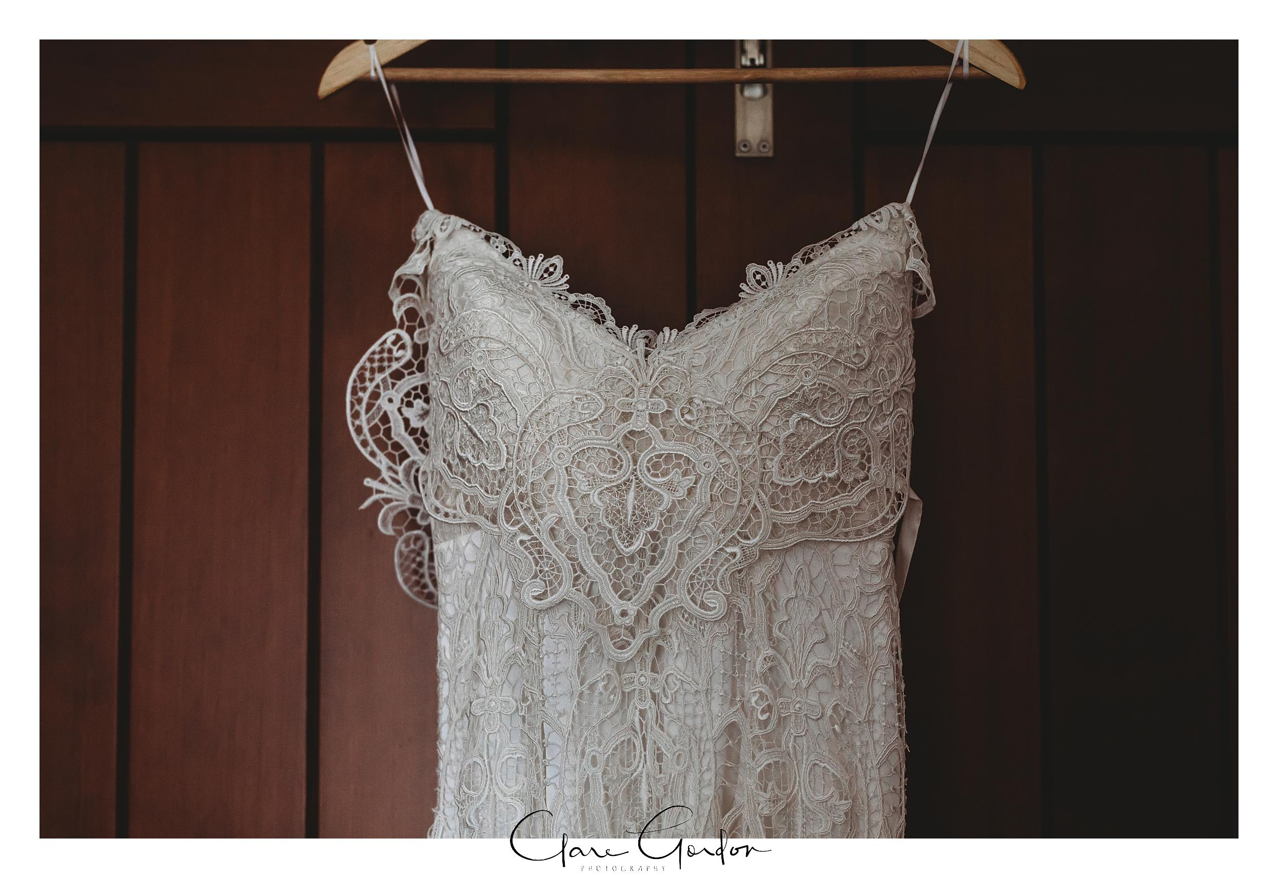 Wedding-dress-Waikato-Wedding-Photographer.jpg