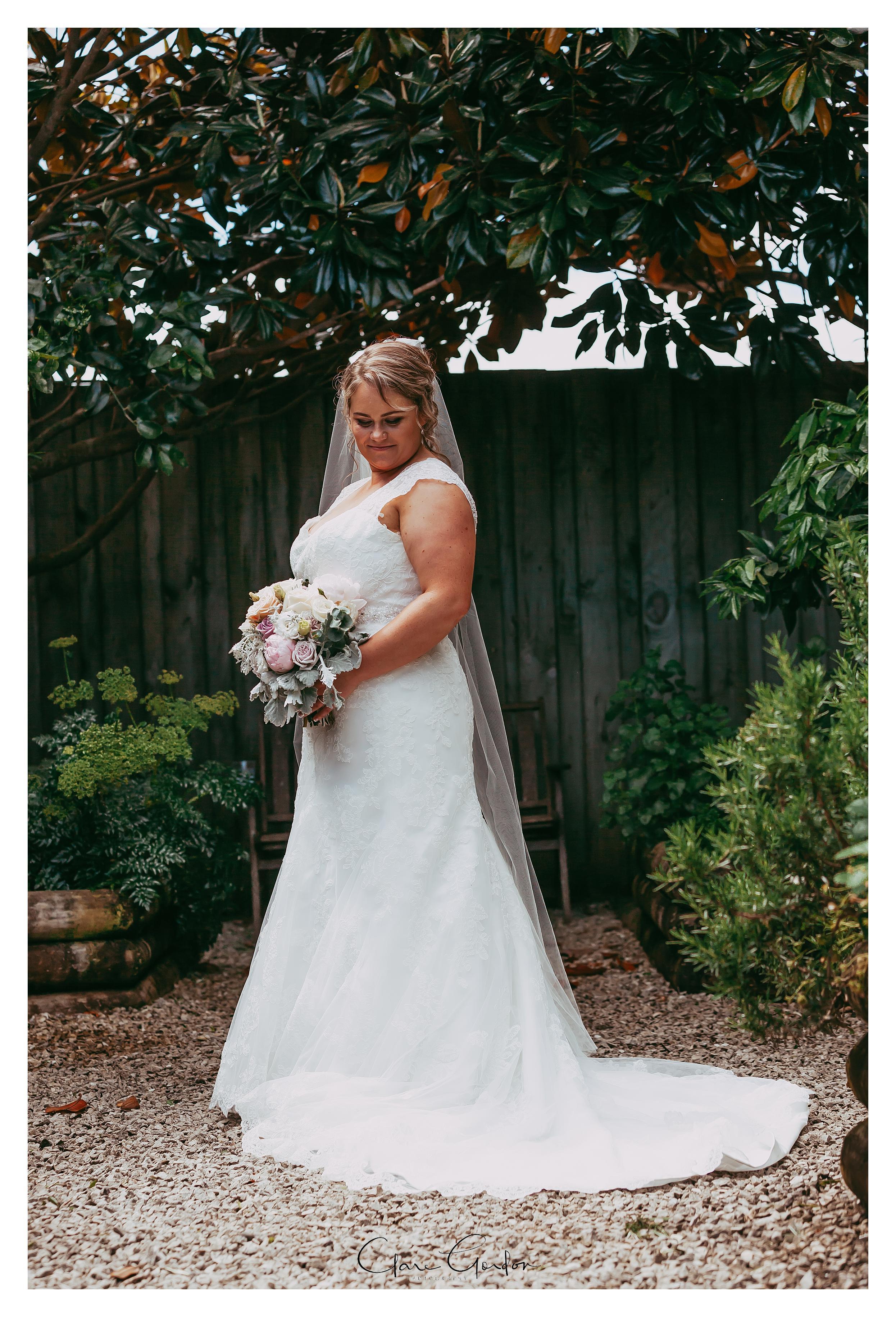 Windy Ridge-Wedding-Bridal-portrait
