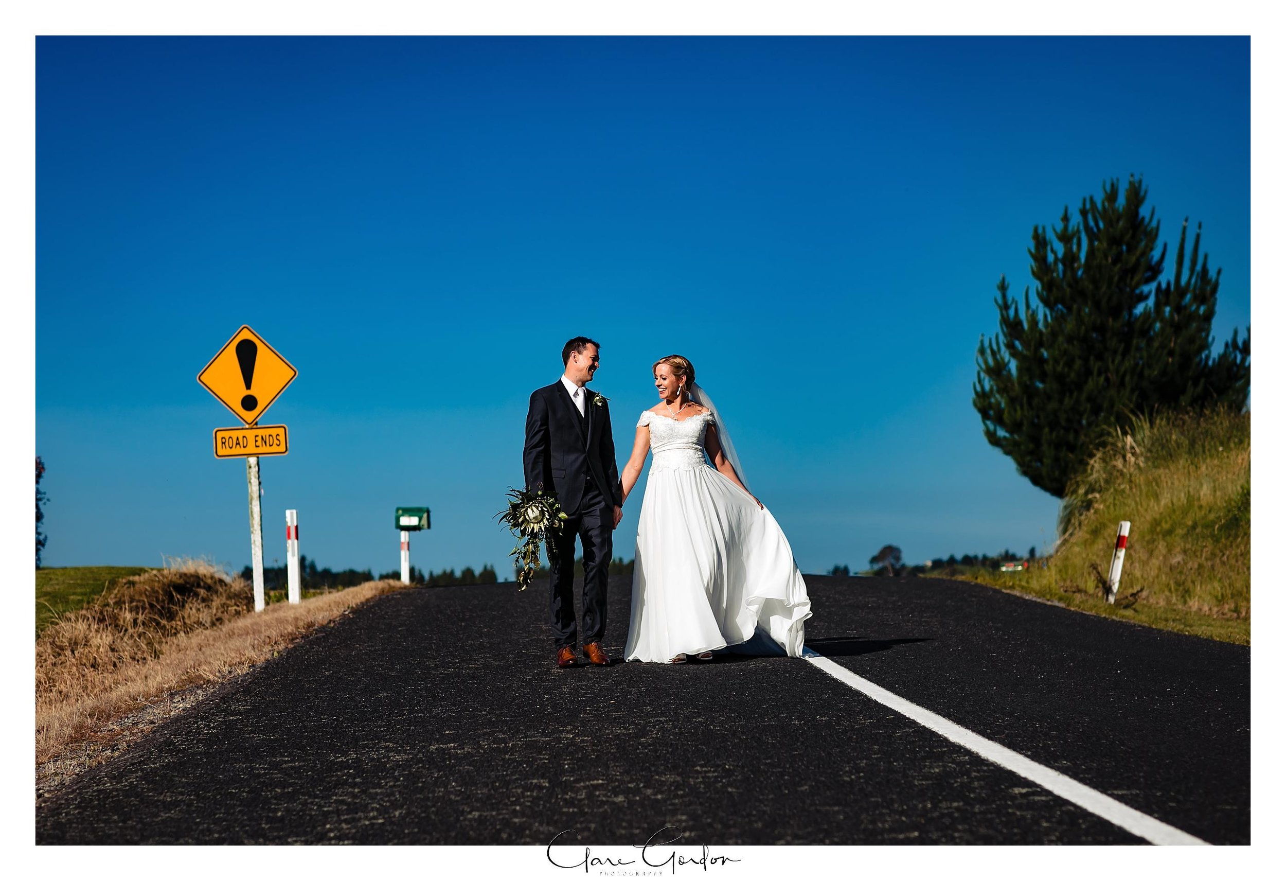 Eagle-Ridge-wedding-photo-bride-and-groom-portraits-Tauranga (124).jpg
