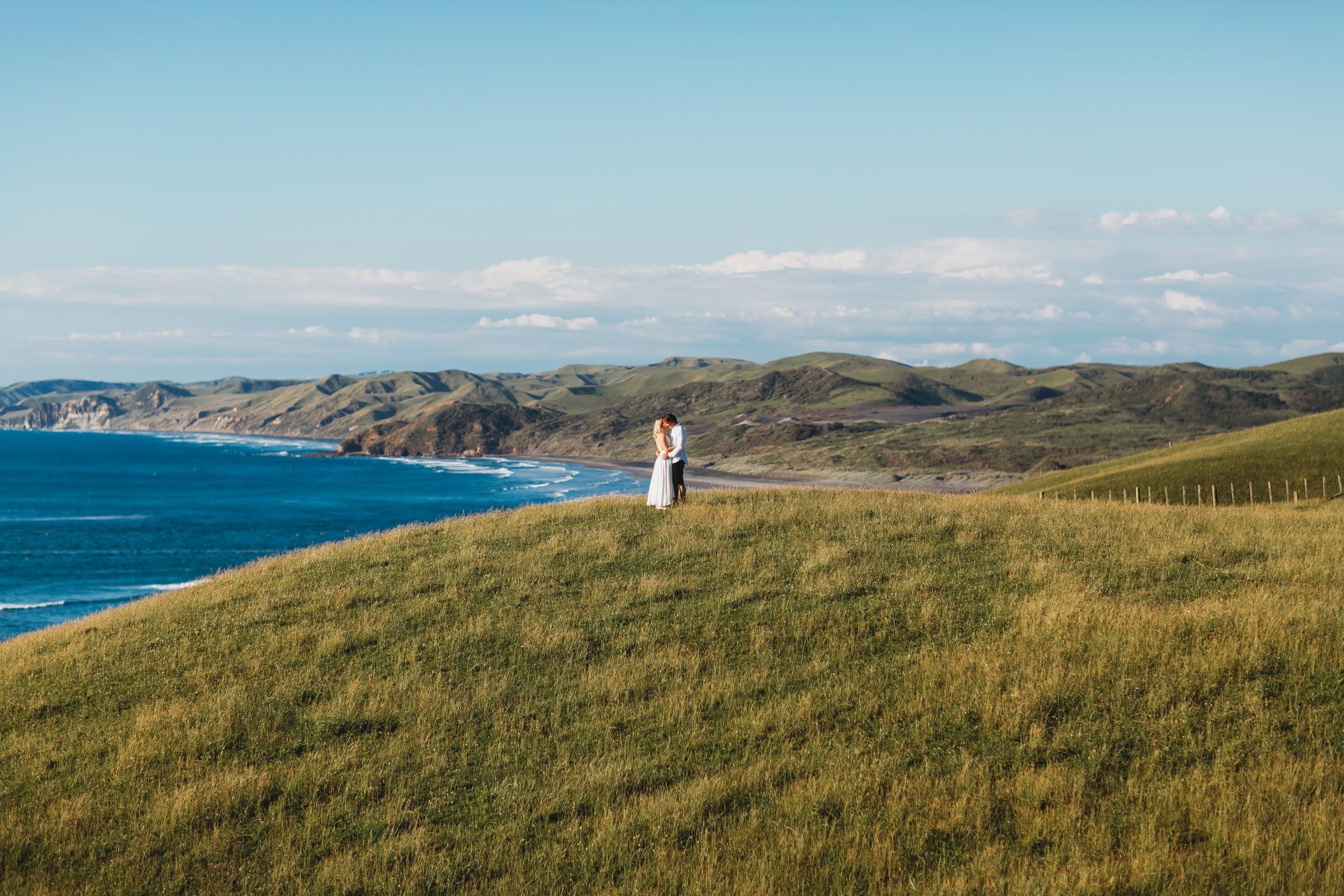 Raglan-beach-couples-engagement-photo-shoot (17 of 79).jpg