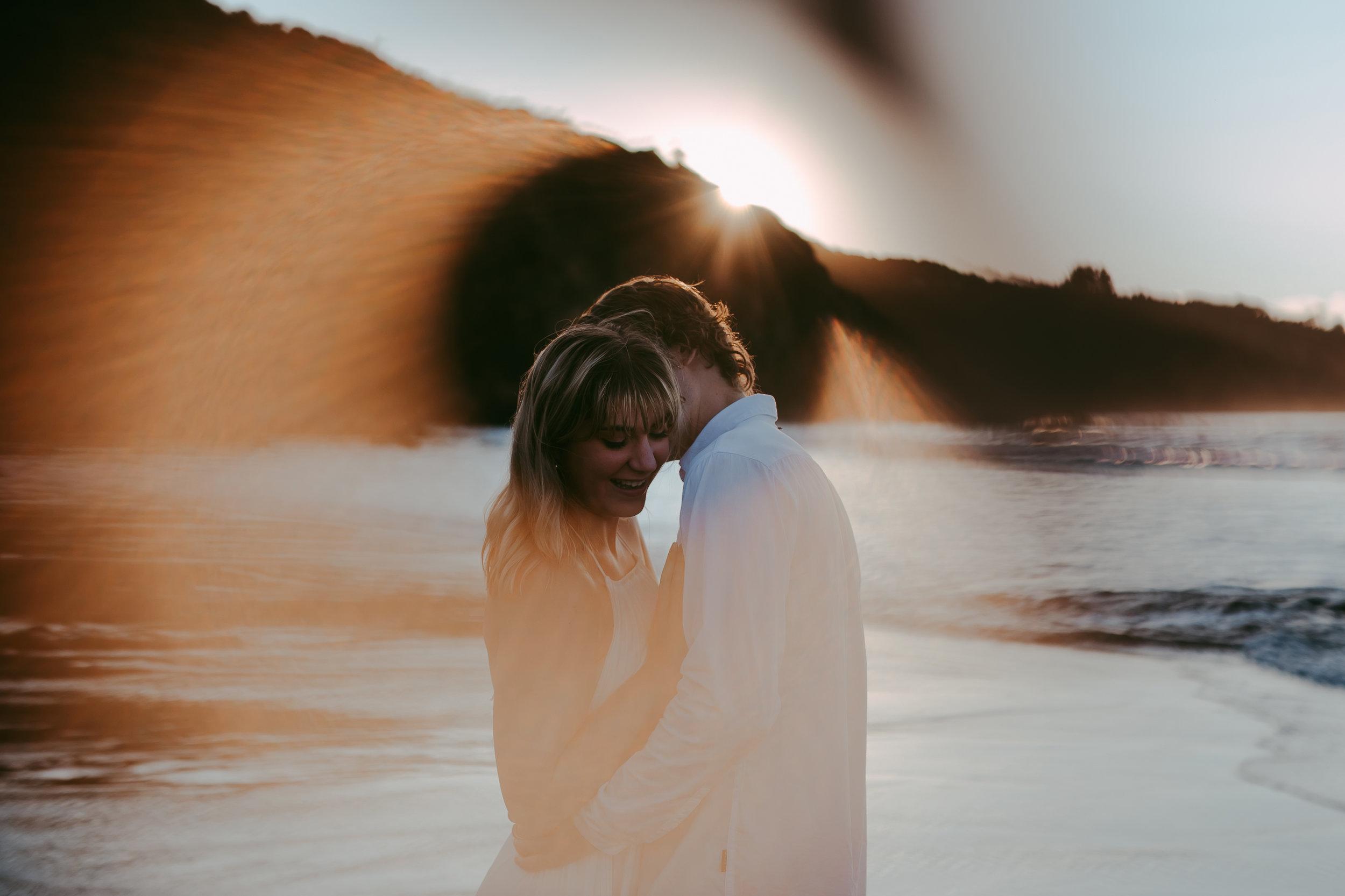 Raglan-beach-couples-engagement-photo-shoot (2 of 2).jpg