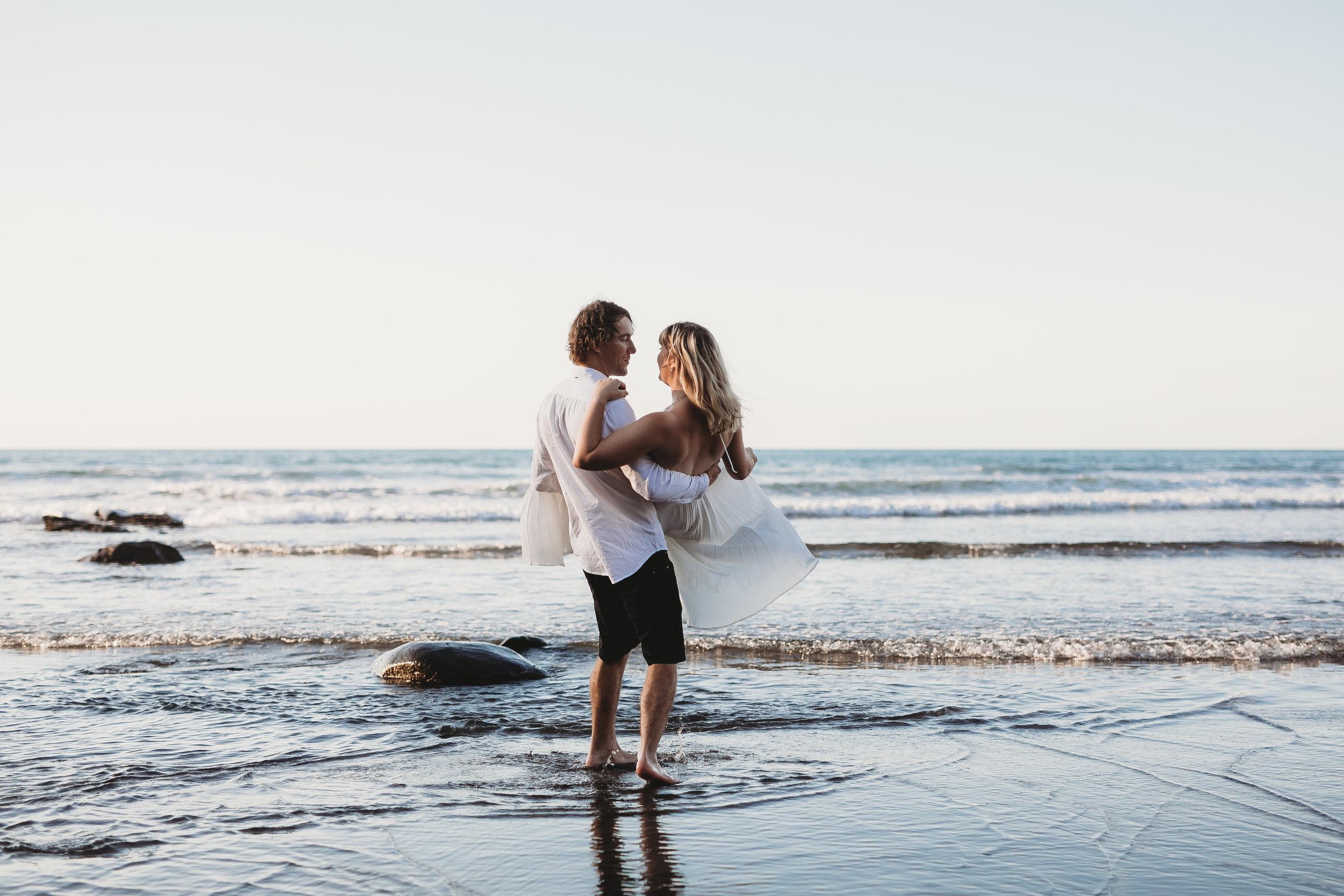 Raglan-beach-couples-engagement-photo-shoot (60 of 79).jpg