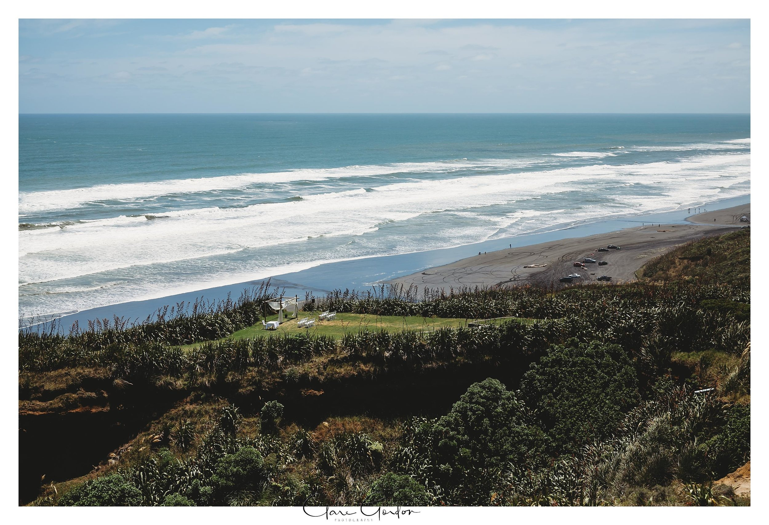 Castaways-resort-waiuku-Wedding-photos-Karioitahi-beach (4).jpg