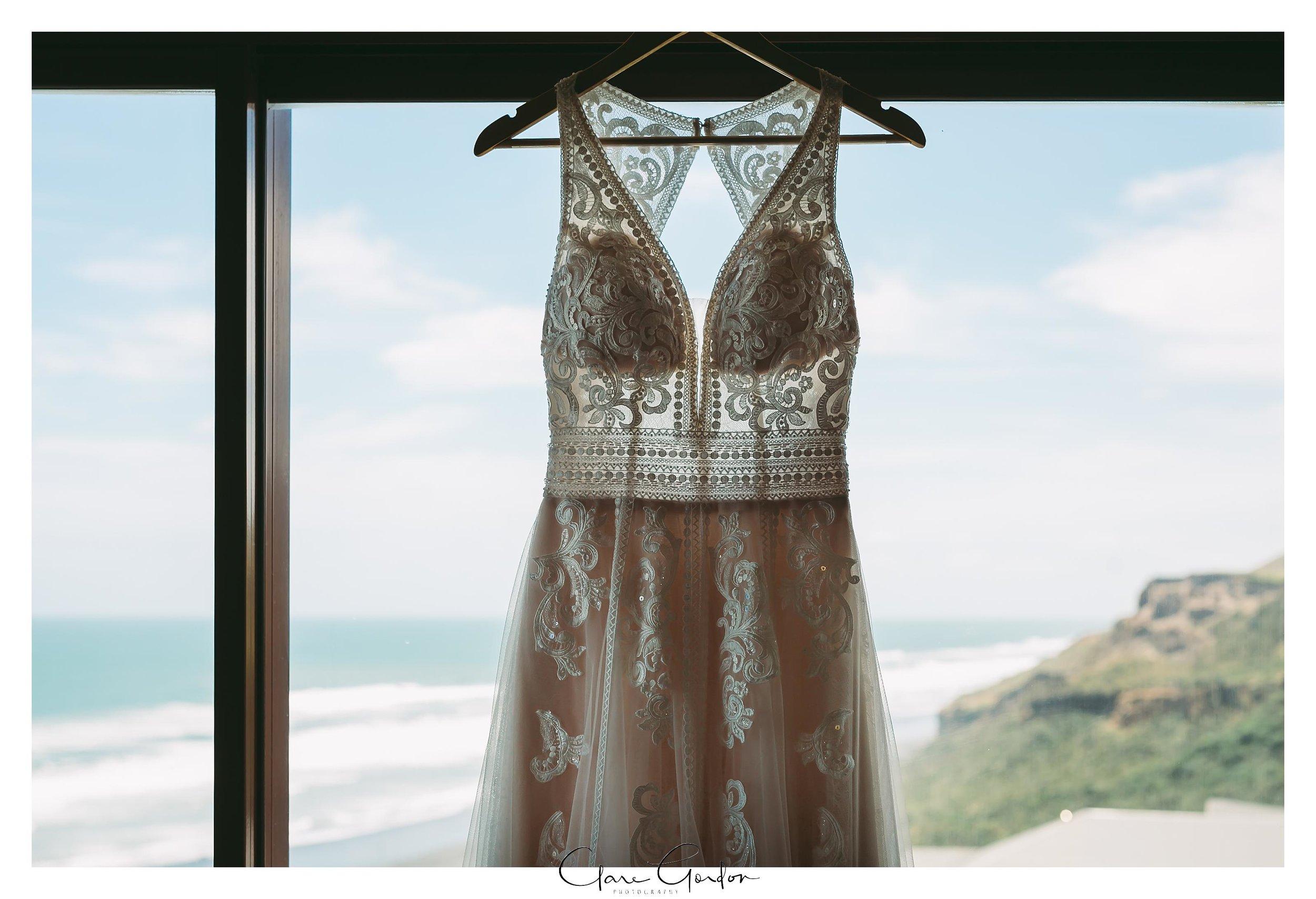 Castaways-resort-waiuku-Wedding-photos-Karioitahi-beach (25).jpg