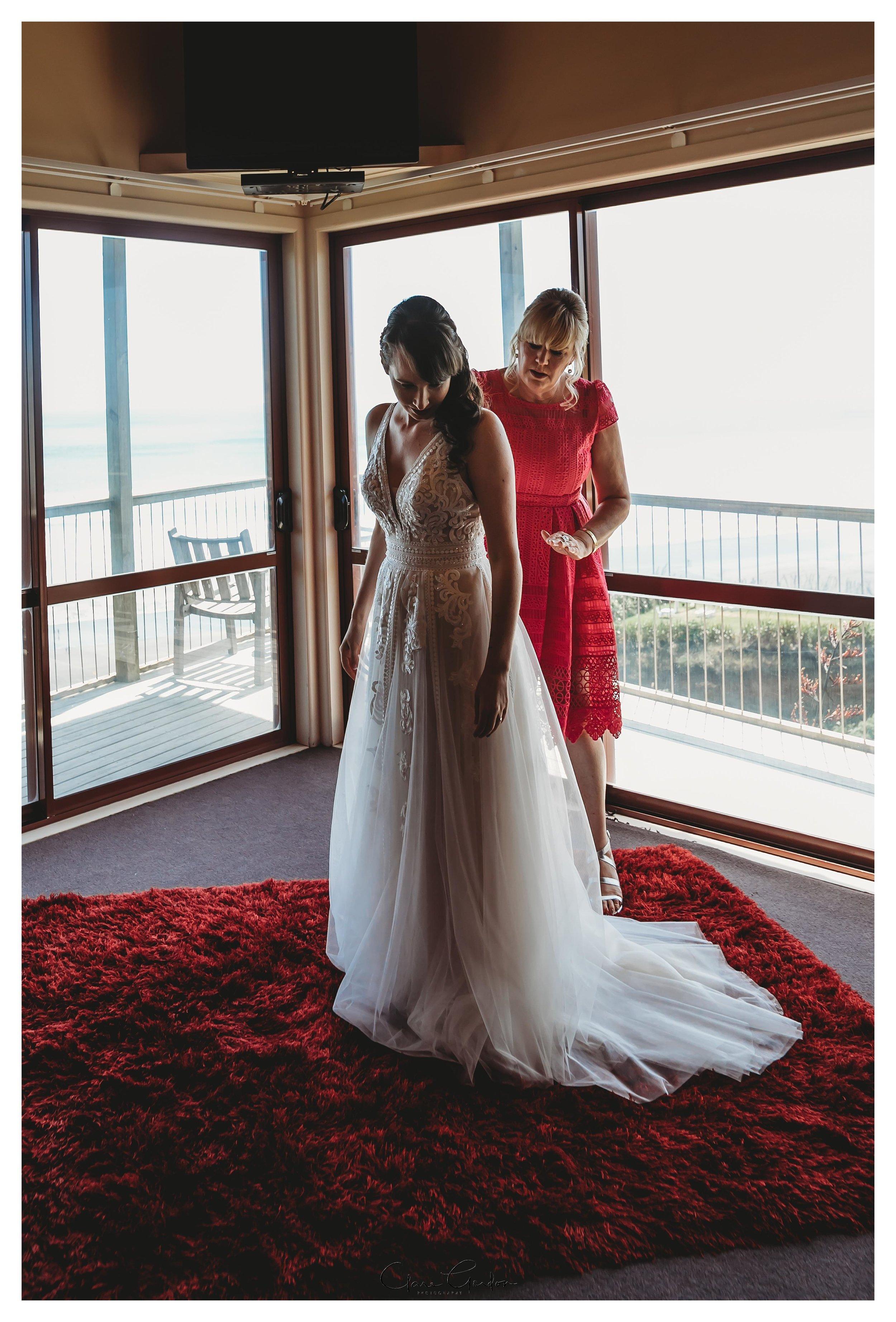 Castaways-resort-waiuku-Wedding-photos-Karioitahi-beach (47).jpg