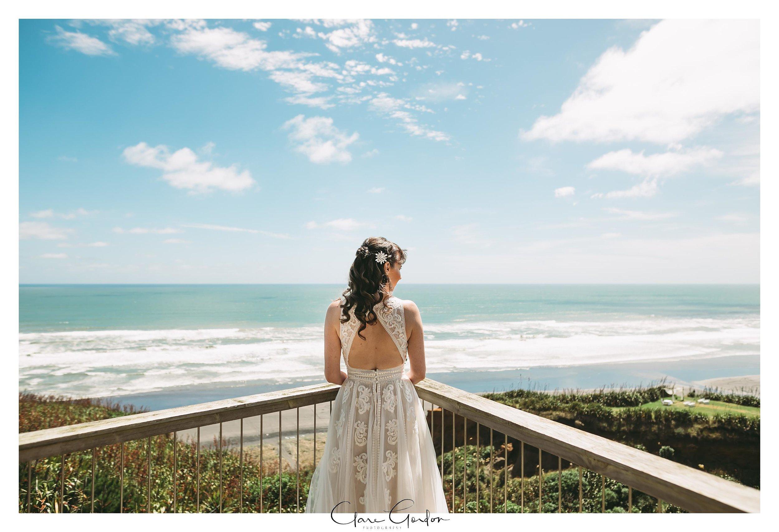 Castaways-resort-waiuku-Wedding-photos-Karioitahi-beach (52).jpg