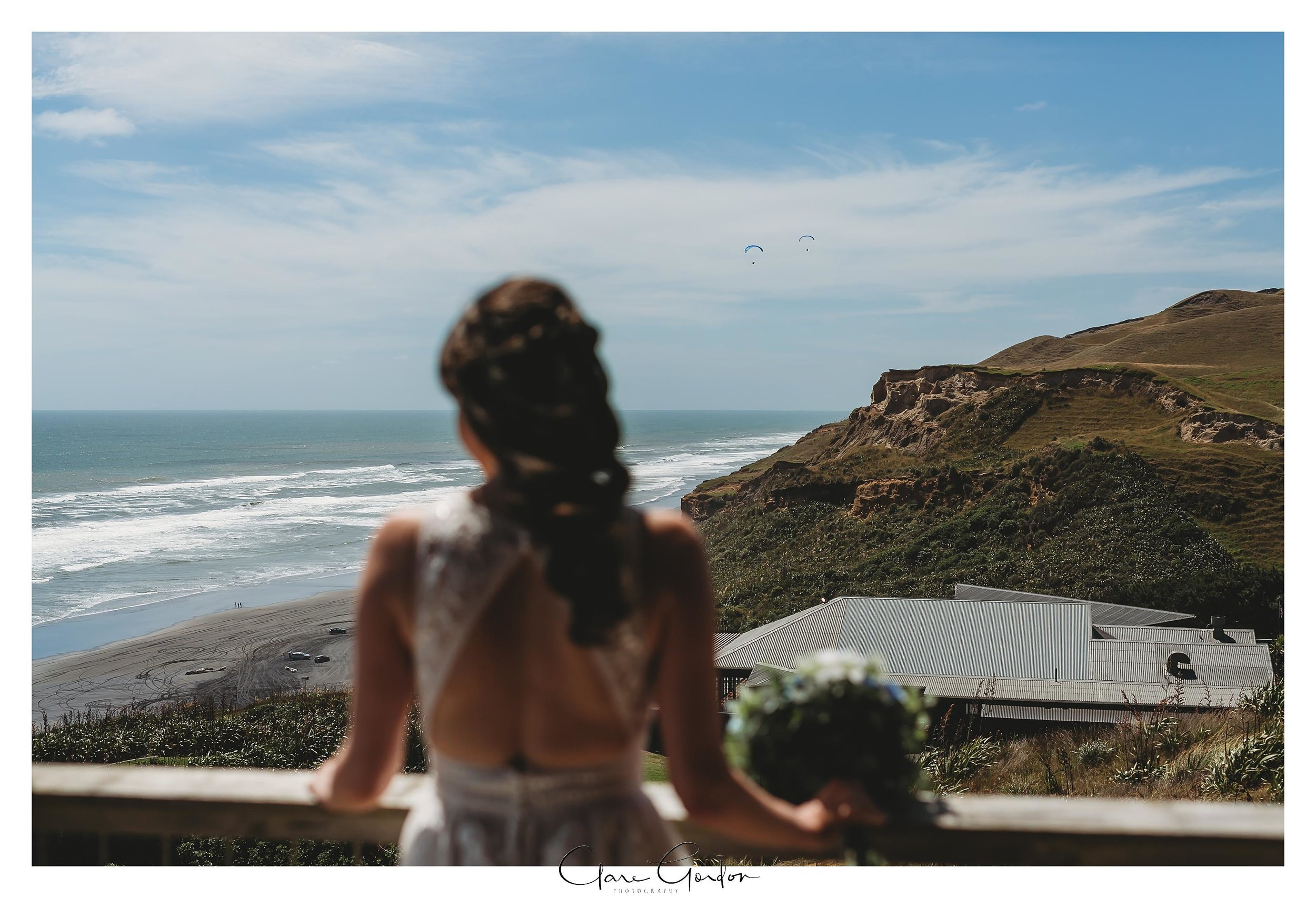 Castaways-resort-waiuku-Wedding-photos-Karioitahi-beach (43).jpg