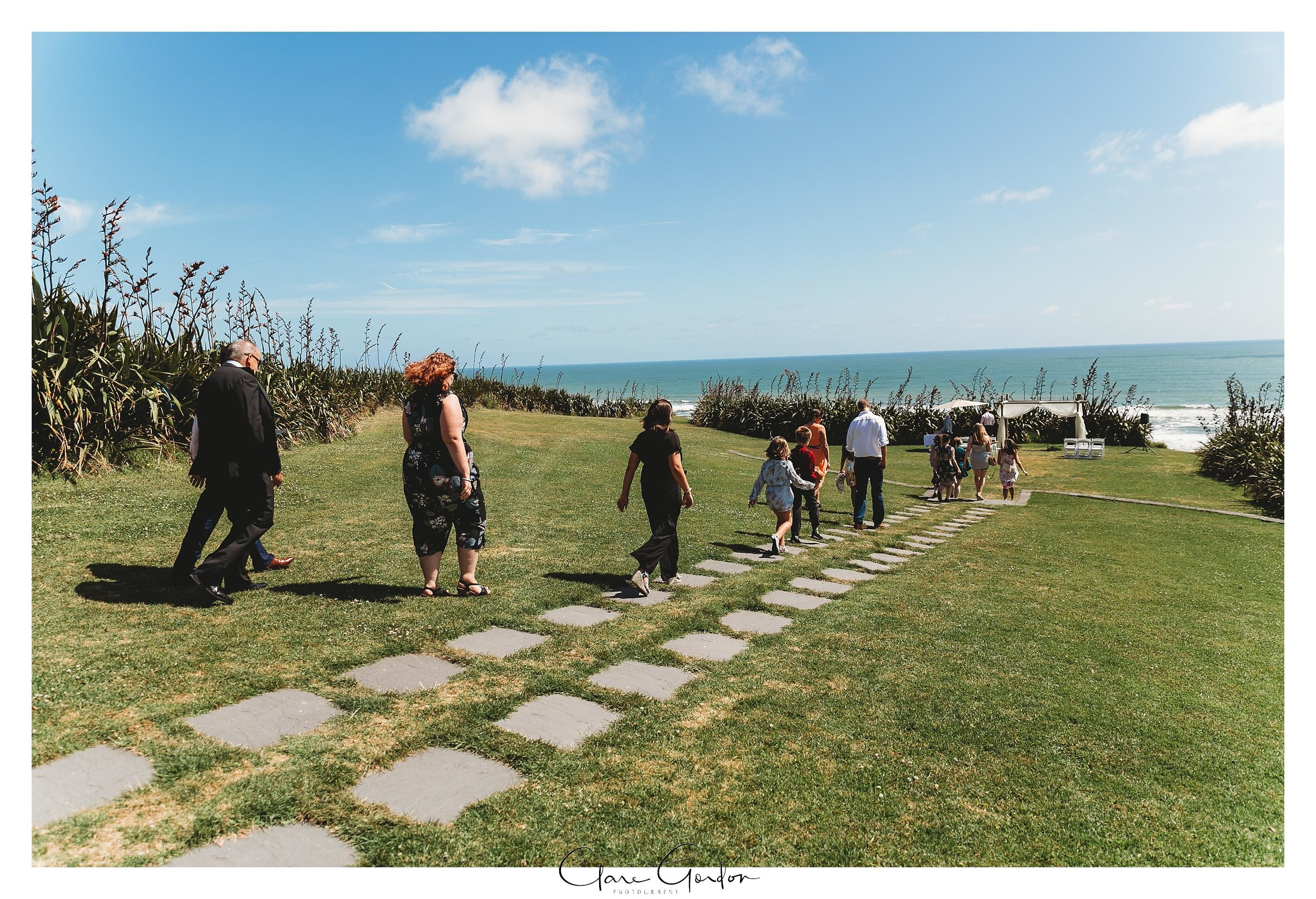Castaways-resort-waiuku-Wedding-photos-Karioitahi-beach (57).jpg