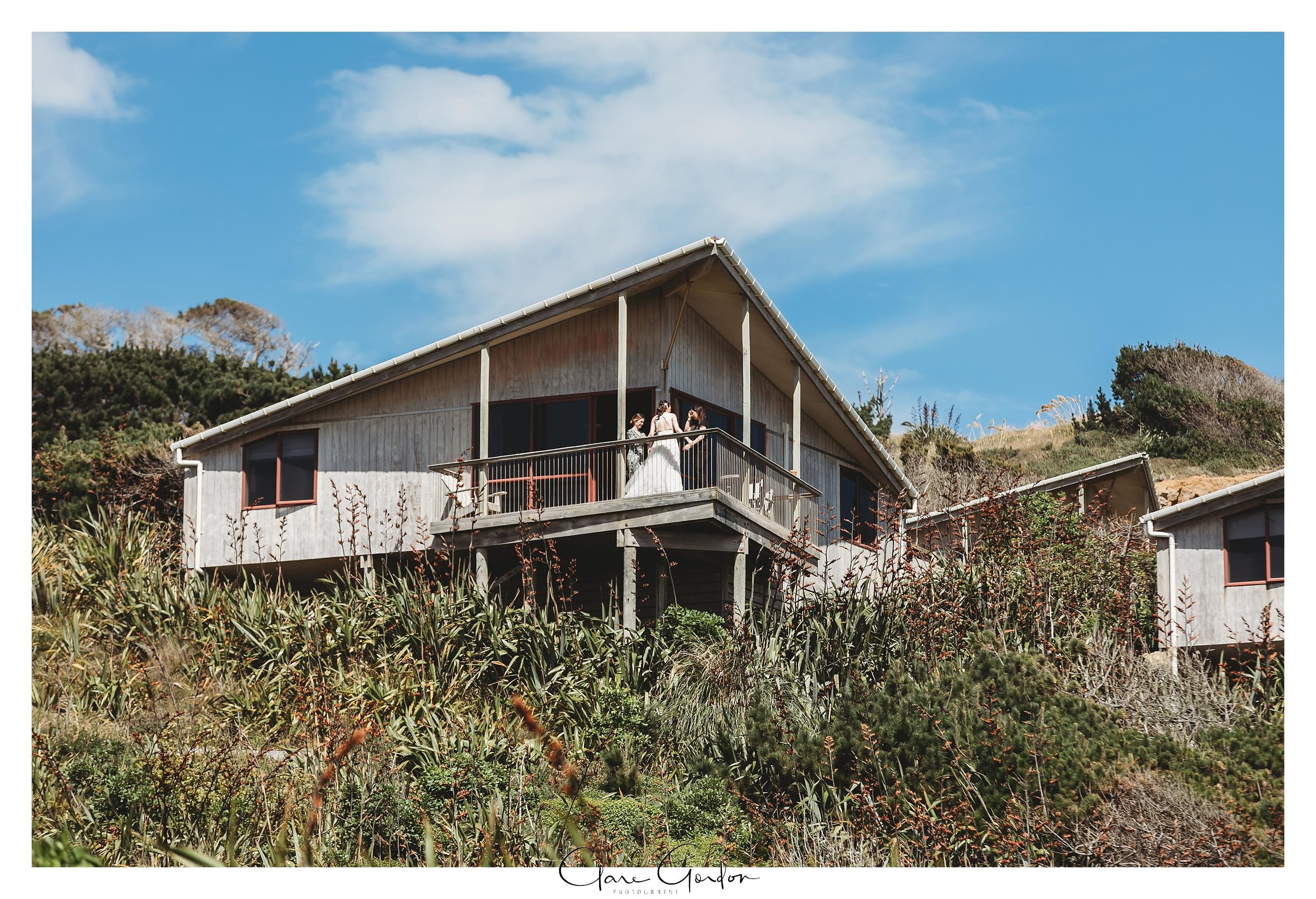 Castaways-resort-waiuku-Wedding-photos-Karioitahi-beach (60).jpg