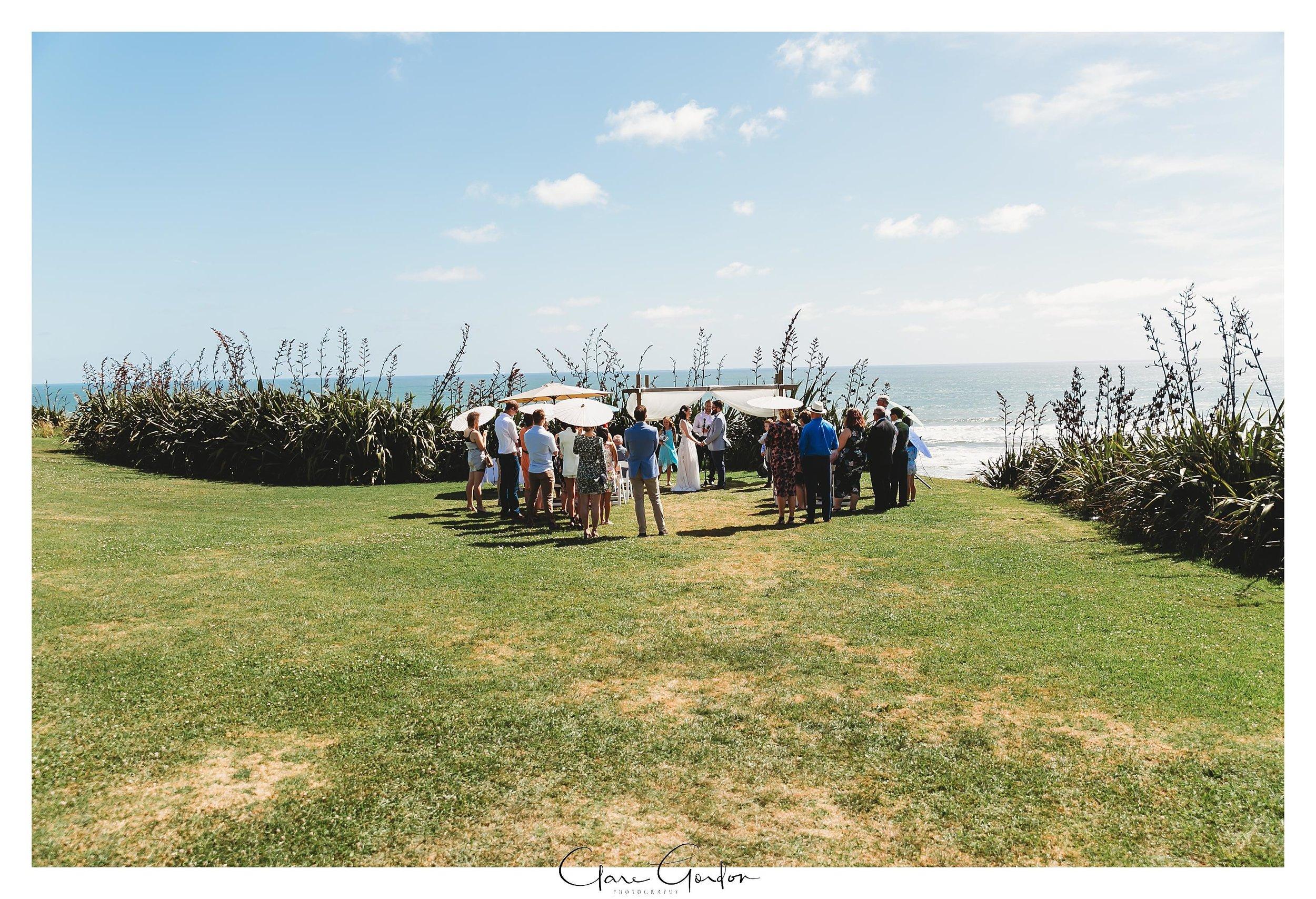 Castaways-resort-waiuku-Wedding-photos-Karioitahi-beach (72).jpg