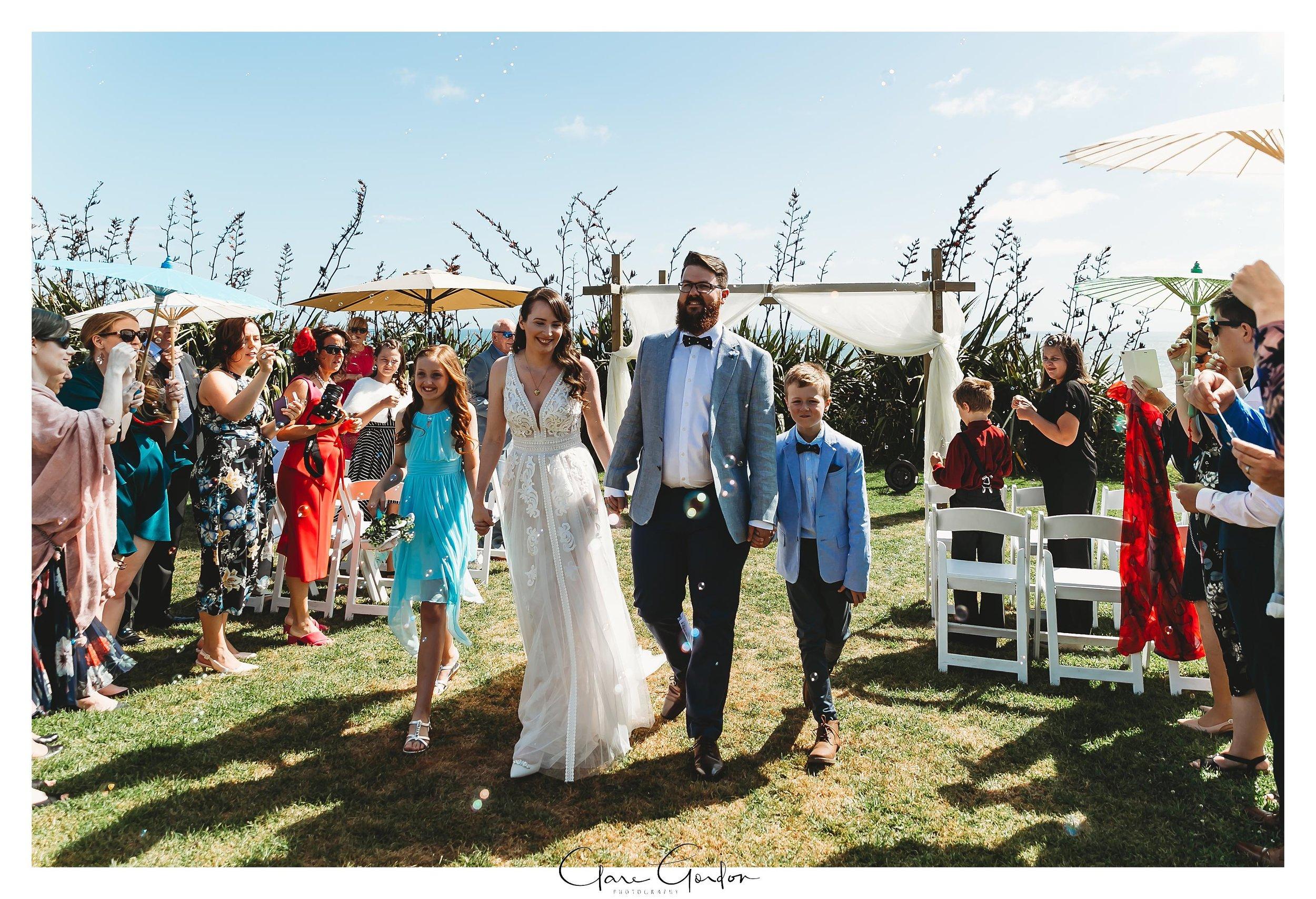 Castaways-resort-waiuku-Wedding-photos-Karioitahi-beach (81).jpg