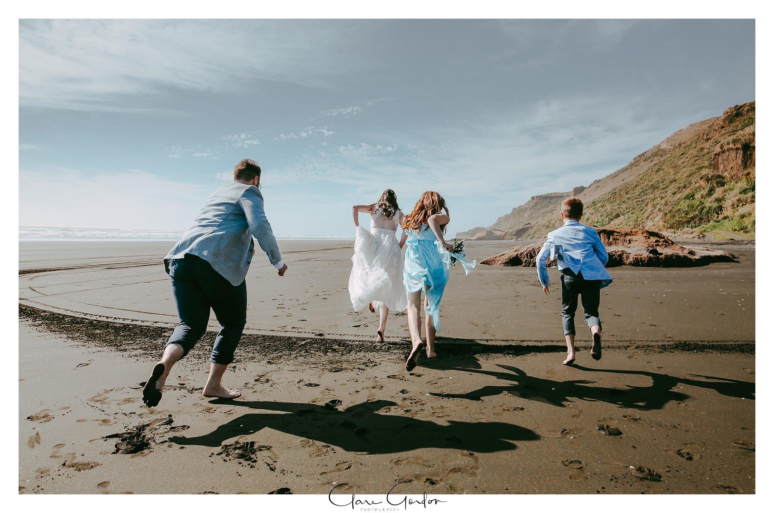 Castaways-resort-waiuku-Wedding-photos-Karioitahi-beach (89).jpg