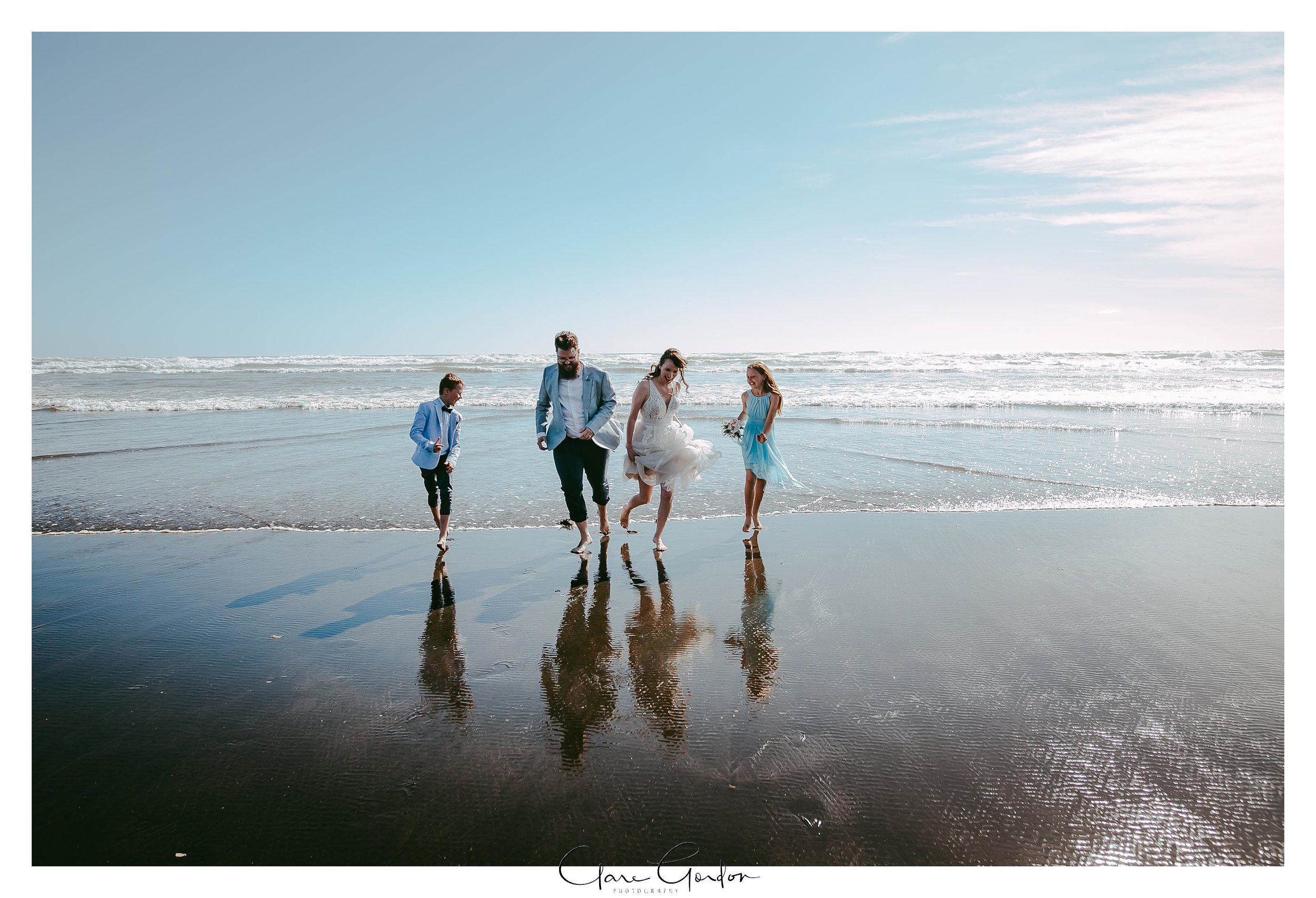 Castaways-resort-waiuku-Wedding-photos-Karioitahi-beach (95).jpg