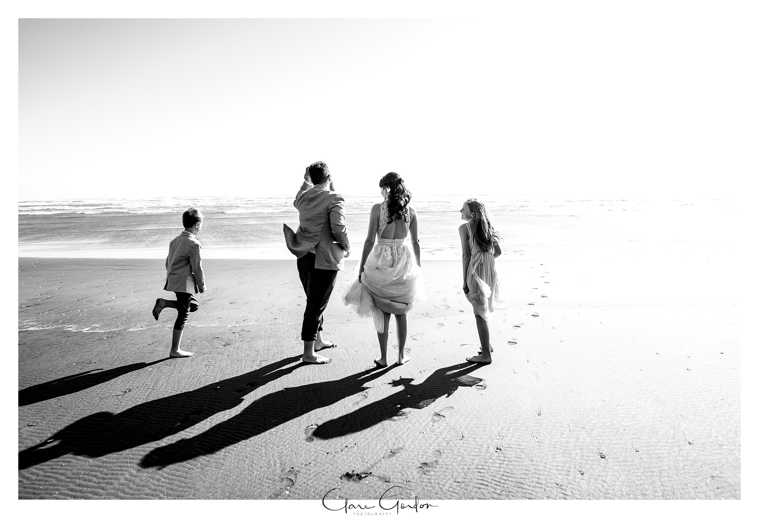 Castaways-resort-waiuku-Wedding-photos-Karioitahi-beach (97).jpg