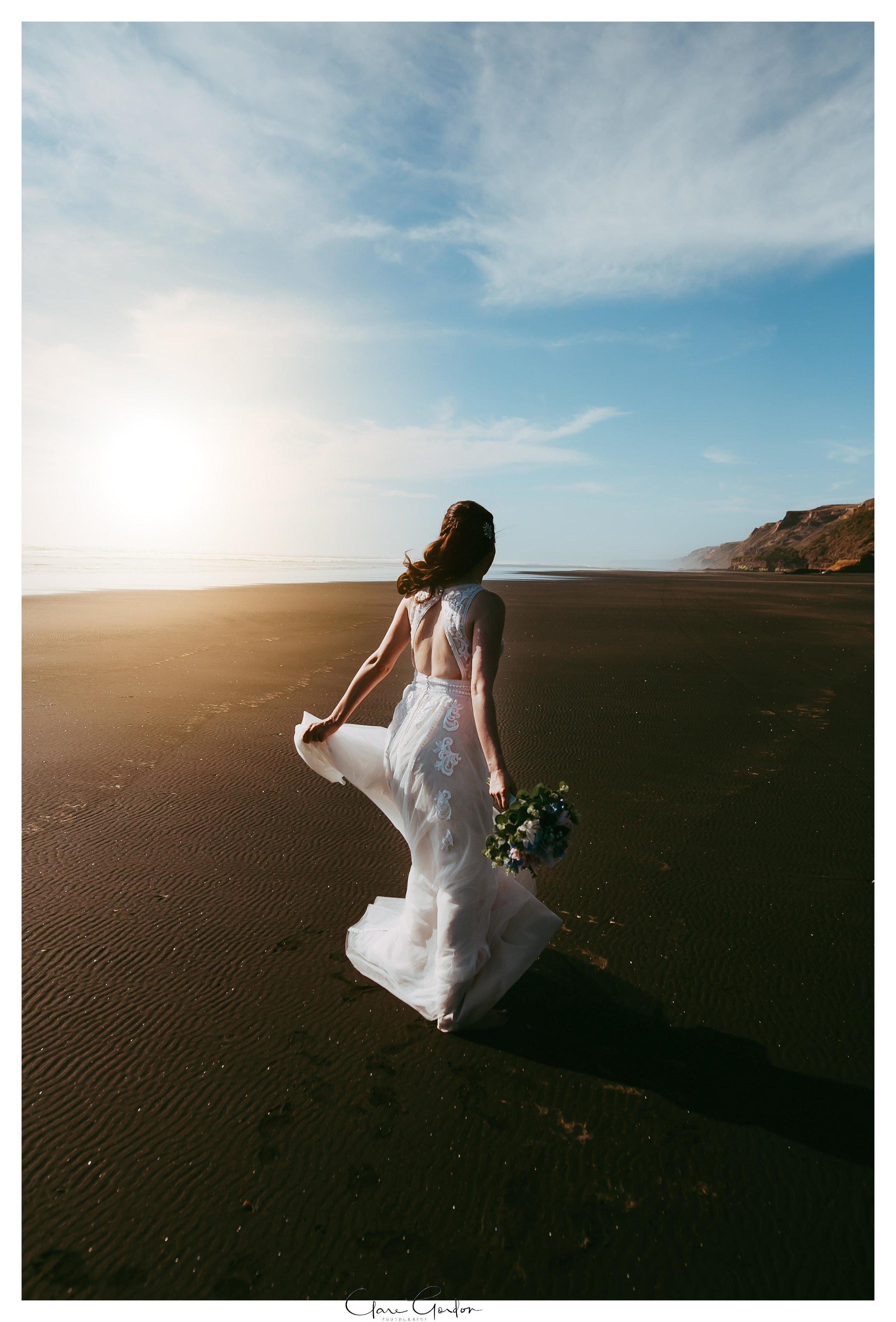 Castaways-resort-waiuku-Wedding-photos-Karioitahi-beach (107).jpg