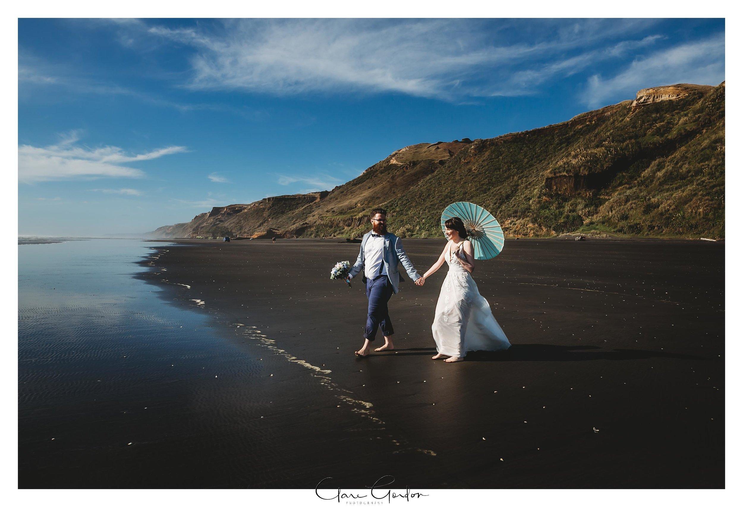 Castaways-resort-waiuku-Wedding-photos-Karioitahi-beach (109).jpg