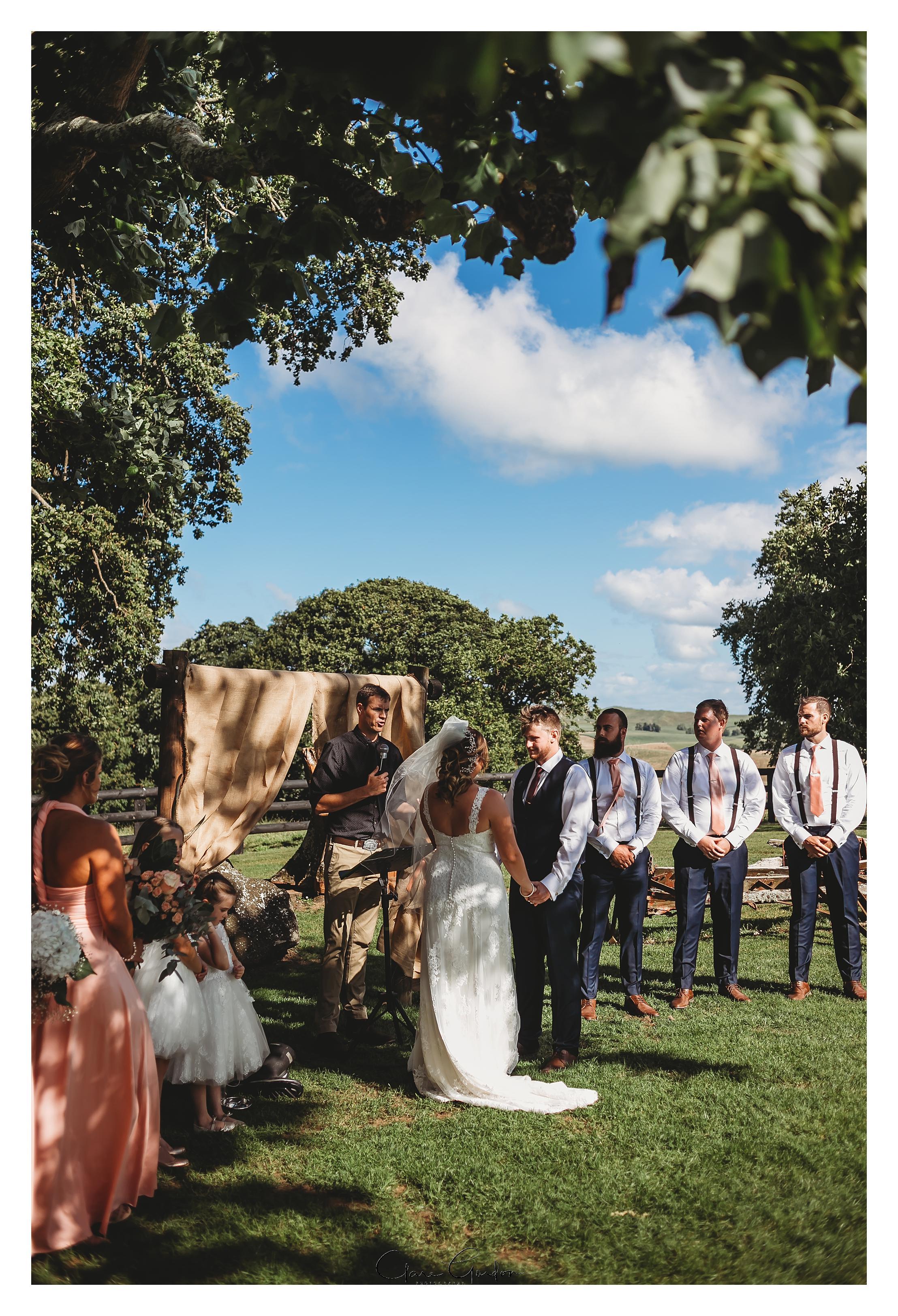 red-barn-wedding-tirau-waikato-wedding (67).jpg