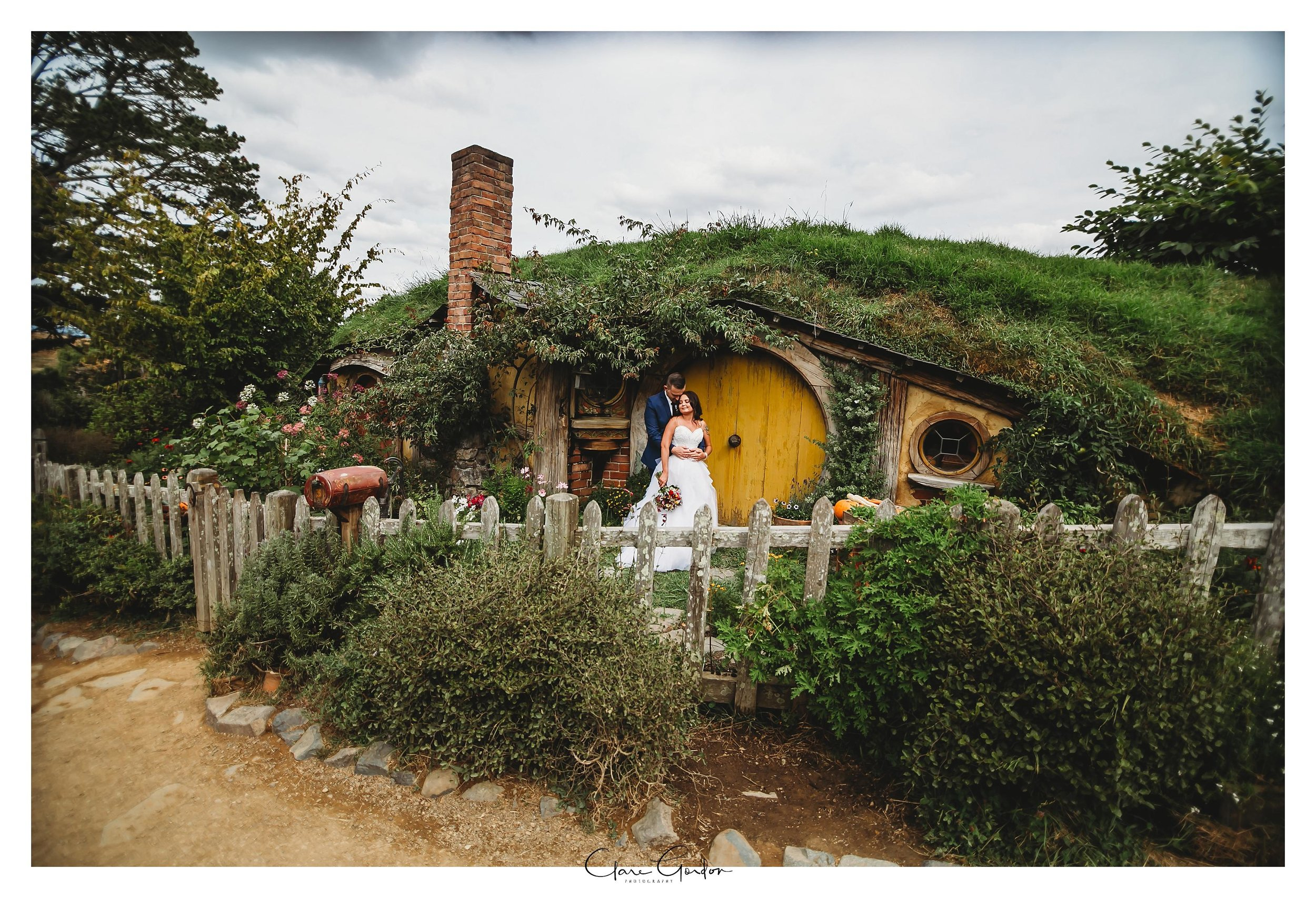 Hobbiton-wedding-photo