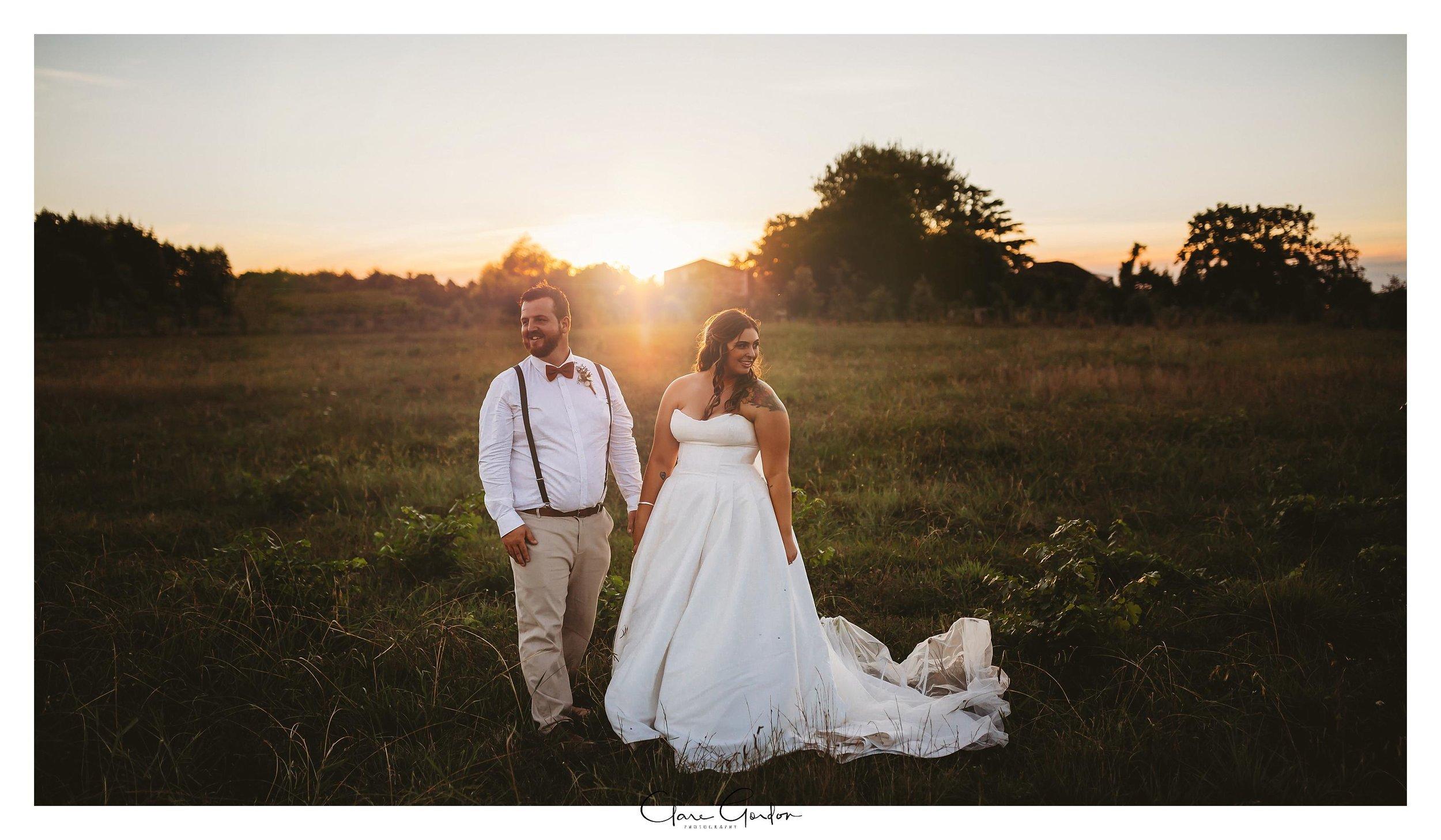 Sunset-photo-wedding-bride-and-groom-waikato